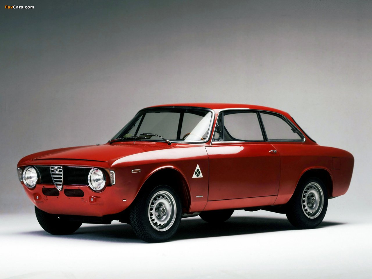 alfa romeo giulia pictures information and specs auto. Black Bedroom Furniture Sets. Home Design Ideas