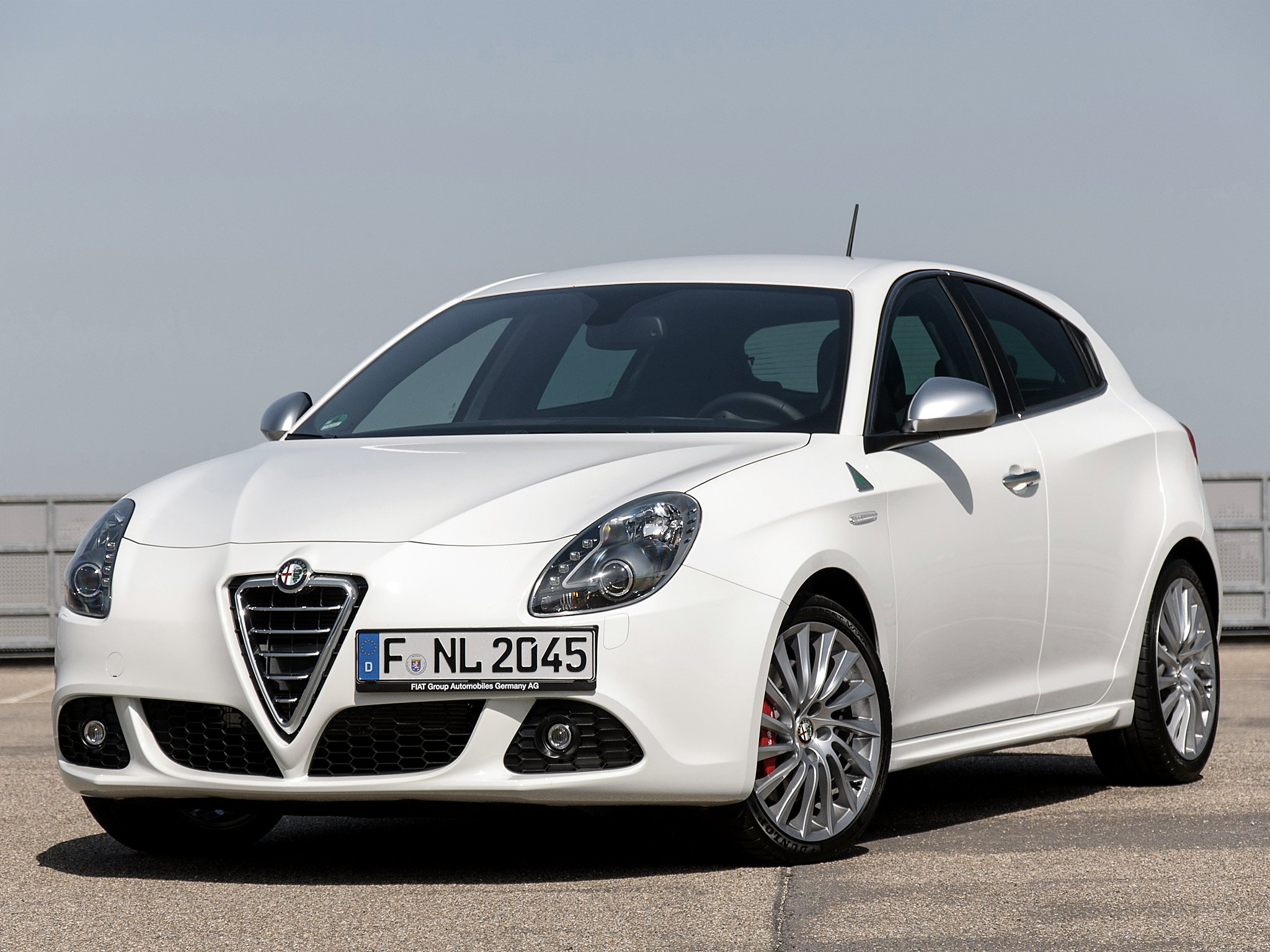 2015 alfa romeo giulietta 940 pictures information and specs auto. Black Bedroom Furniture Sets. Home Design Ideas