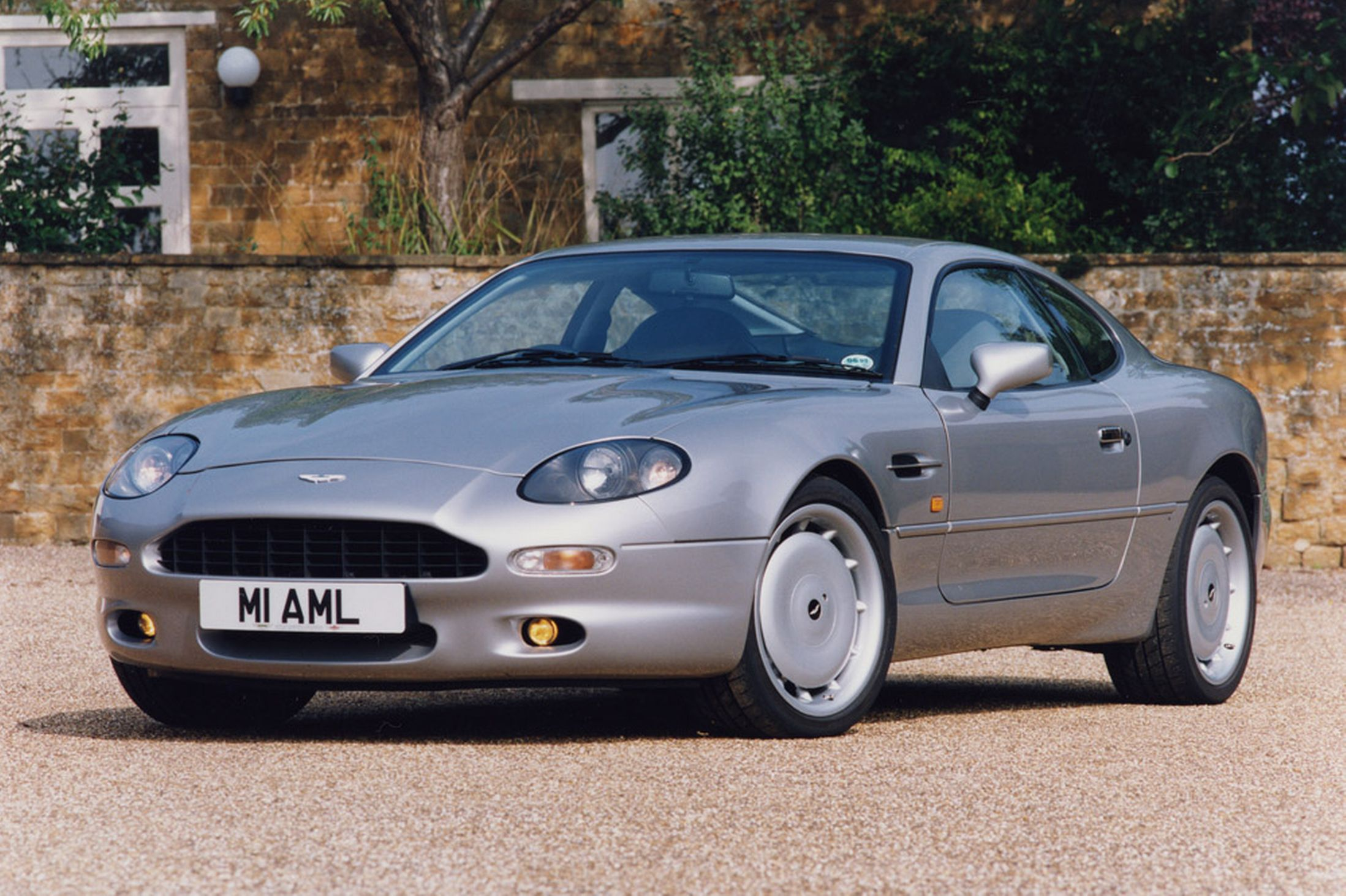 aston martin db7 pictures #2