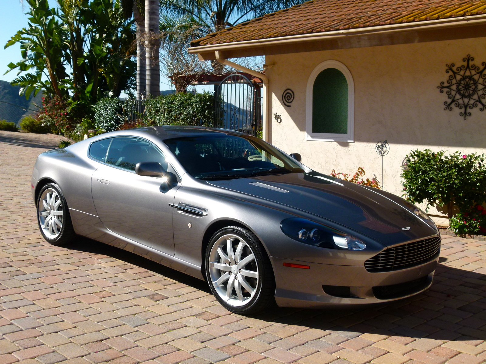 aston martin db9 coupe 2005 images #6