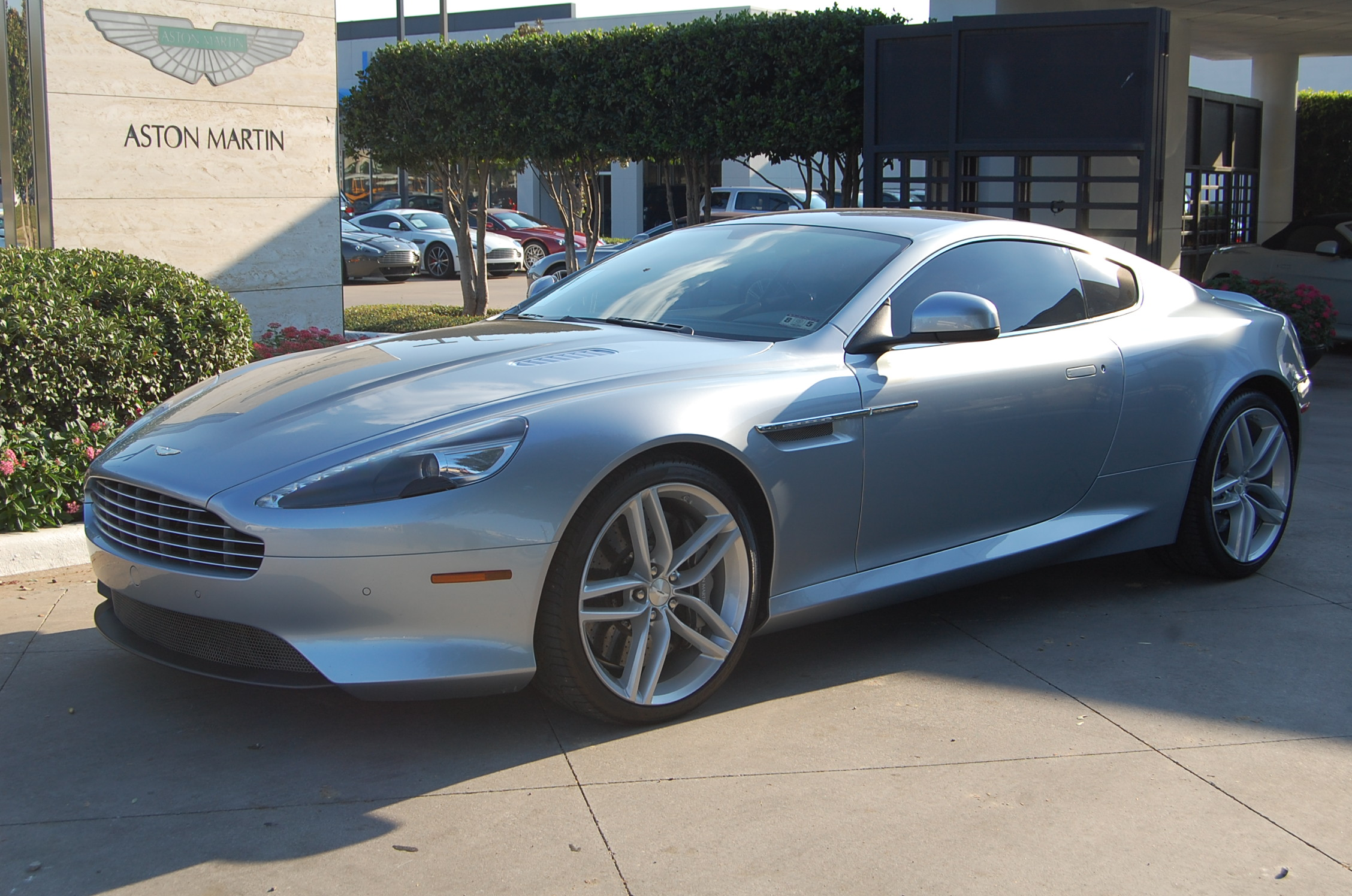 aston martin db9 coupe 2009 pictures #14