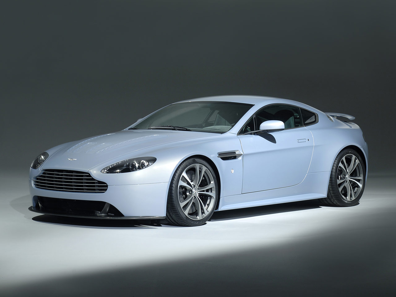 aston martin db9 coupe 2009 wallpaper #12