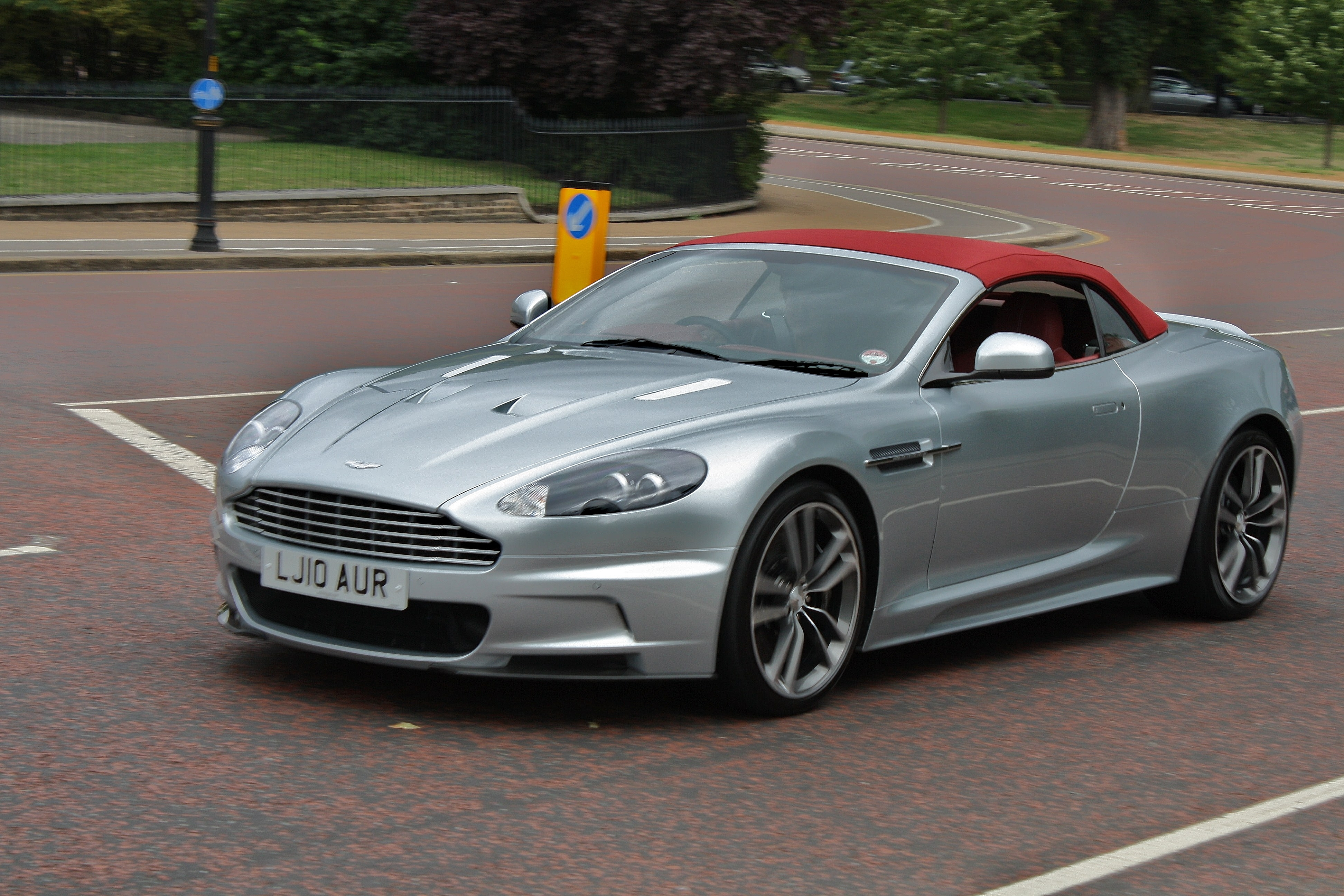 2009 Aston Martin Dbs Pictures Information And Specs