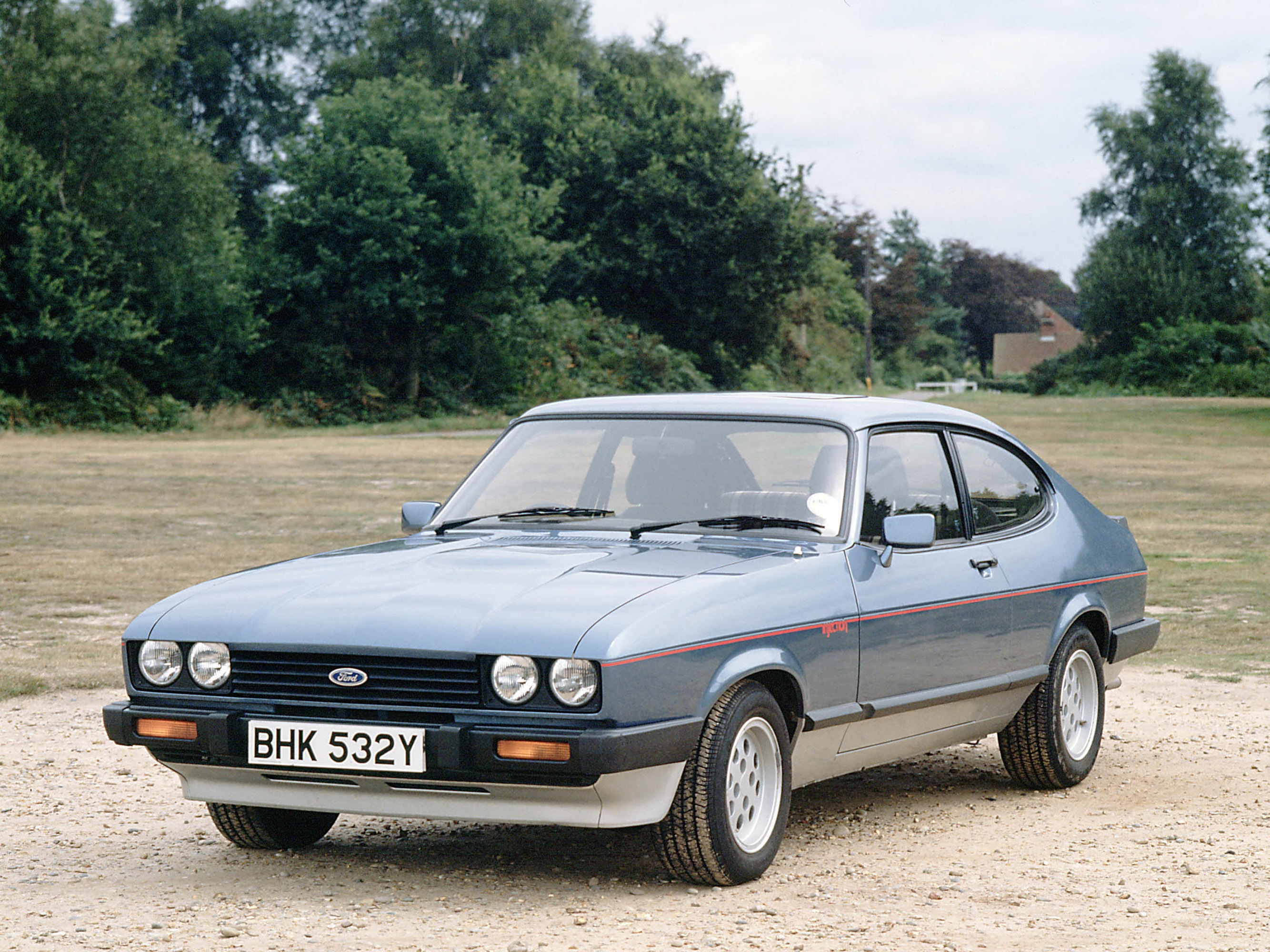 aston martin tickford capri images