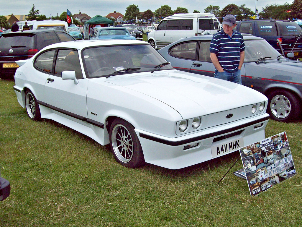 aston martin tickford capri wallpaper
