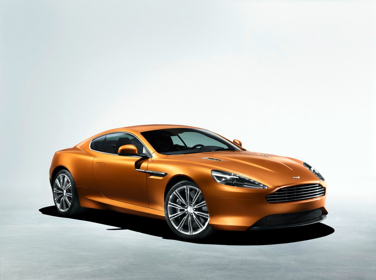 aston martin virage images