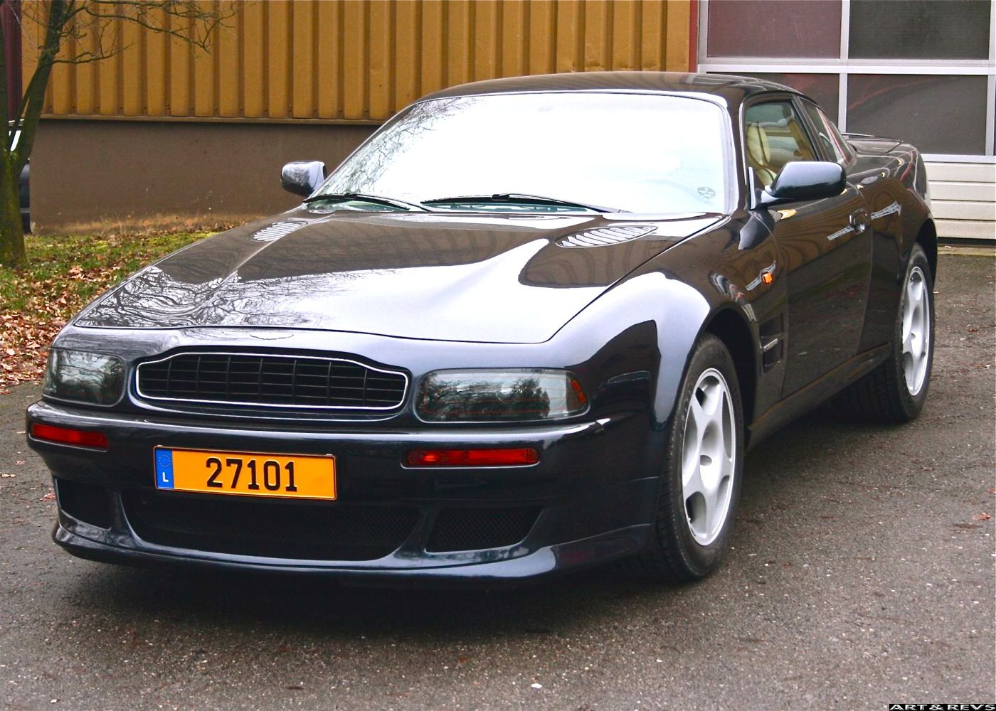 aston martin virage vantage 1995 wallpaper