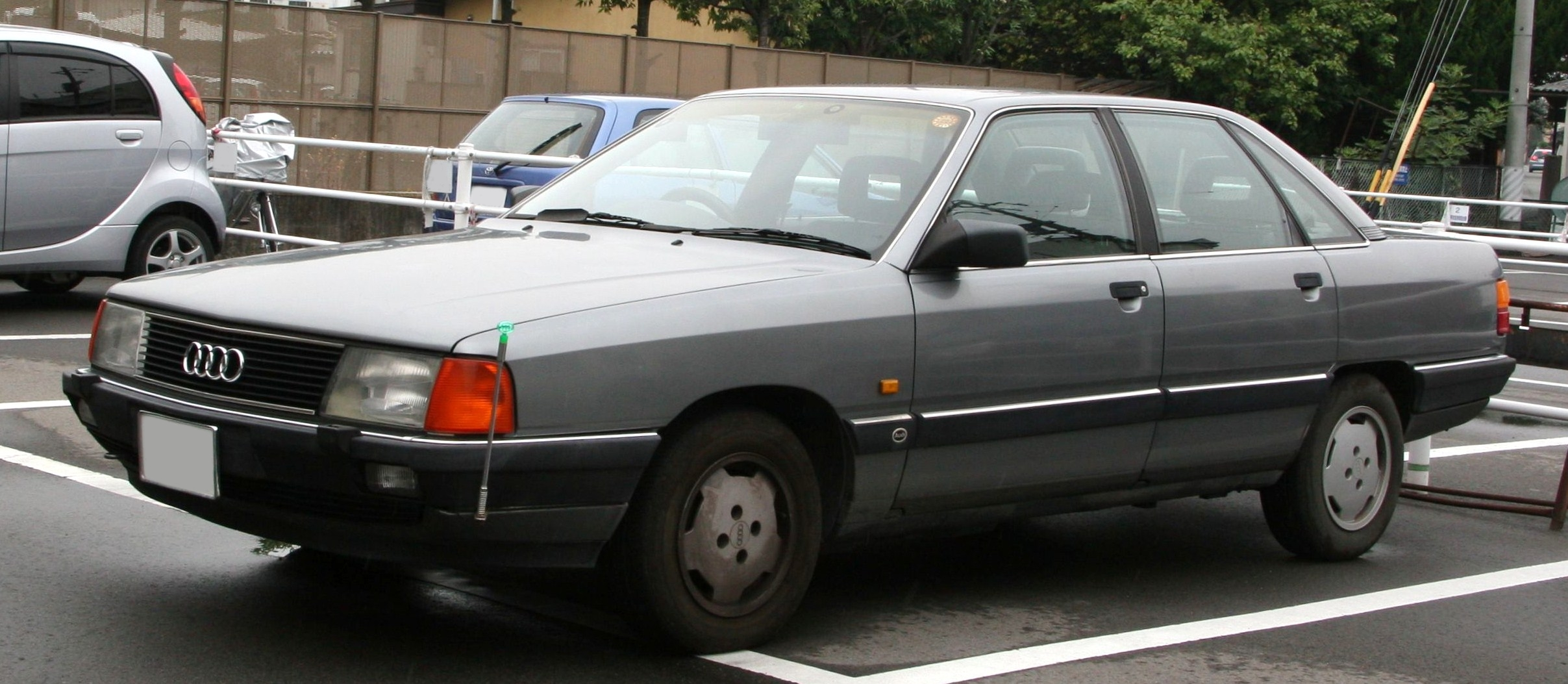 Audi 100   pictures, information and specs - Auto-Database.com