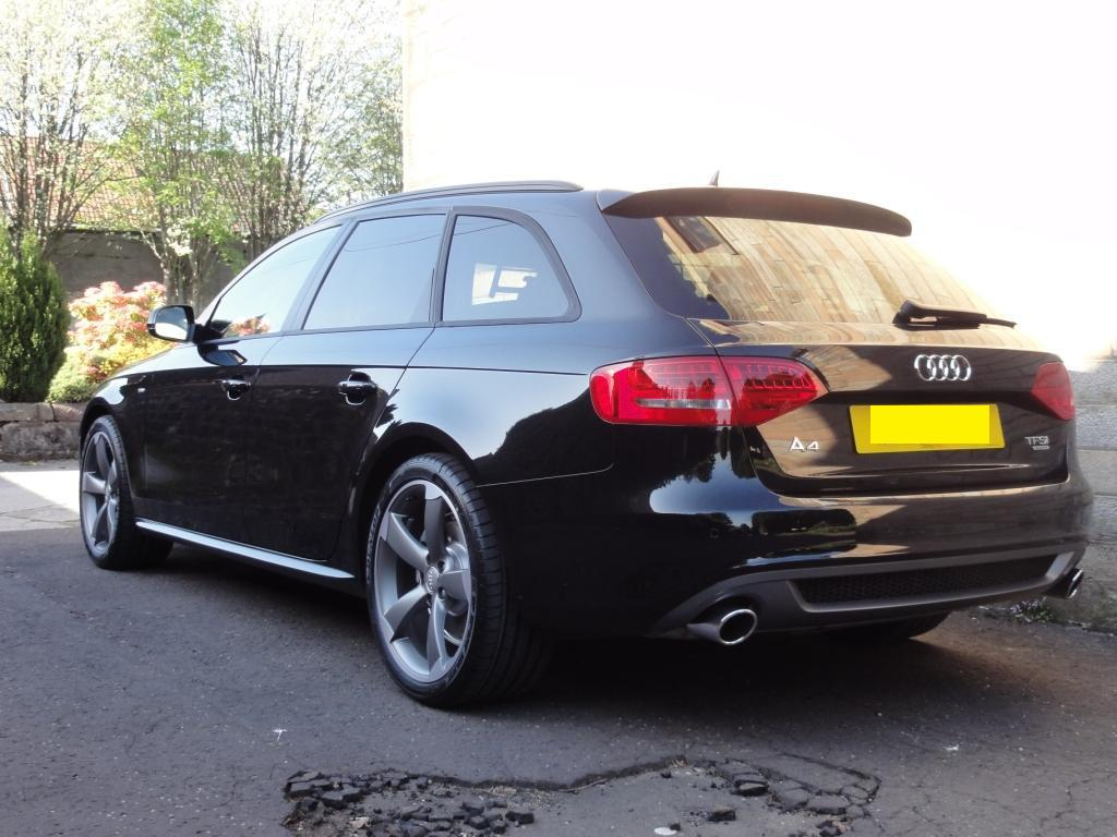 audi rs4 avant (8k) 2011 pics - Auto-Database.com