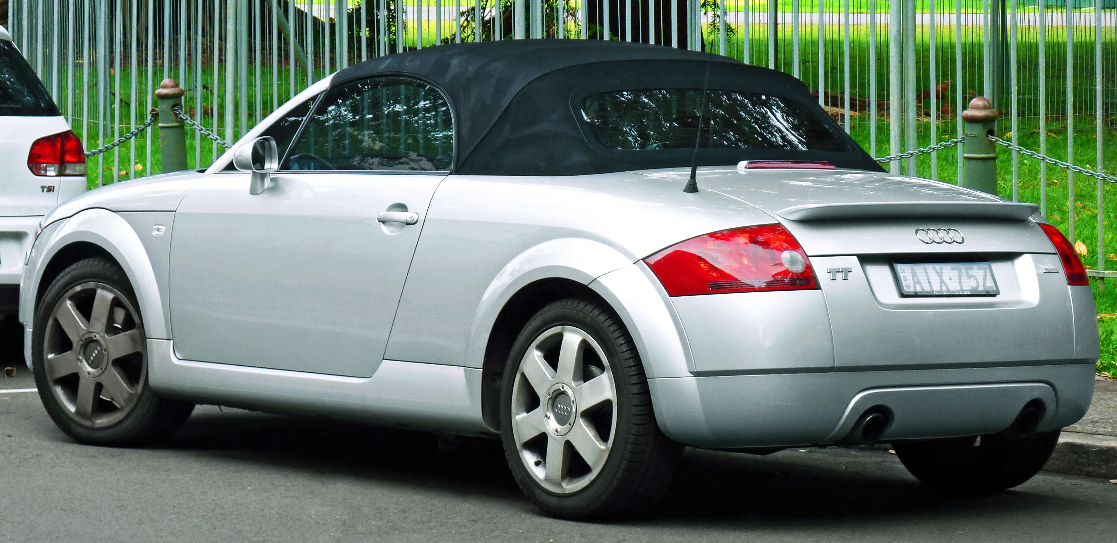 audi tt roadster (pq35,36) 2010 wallpaper #2