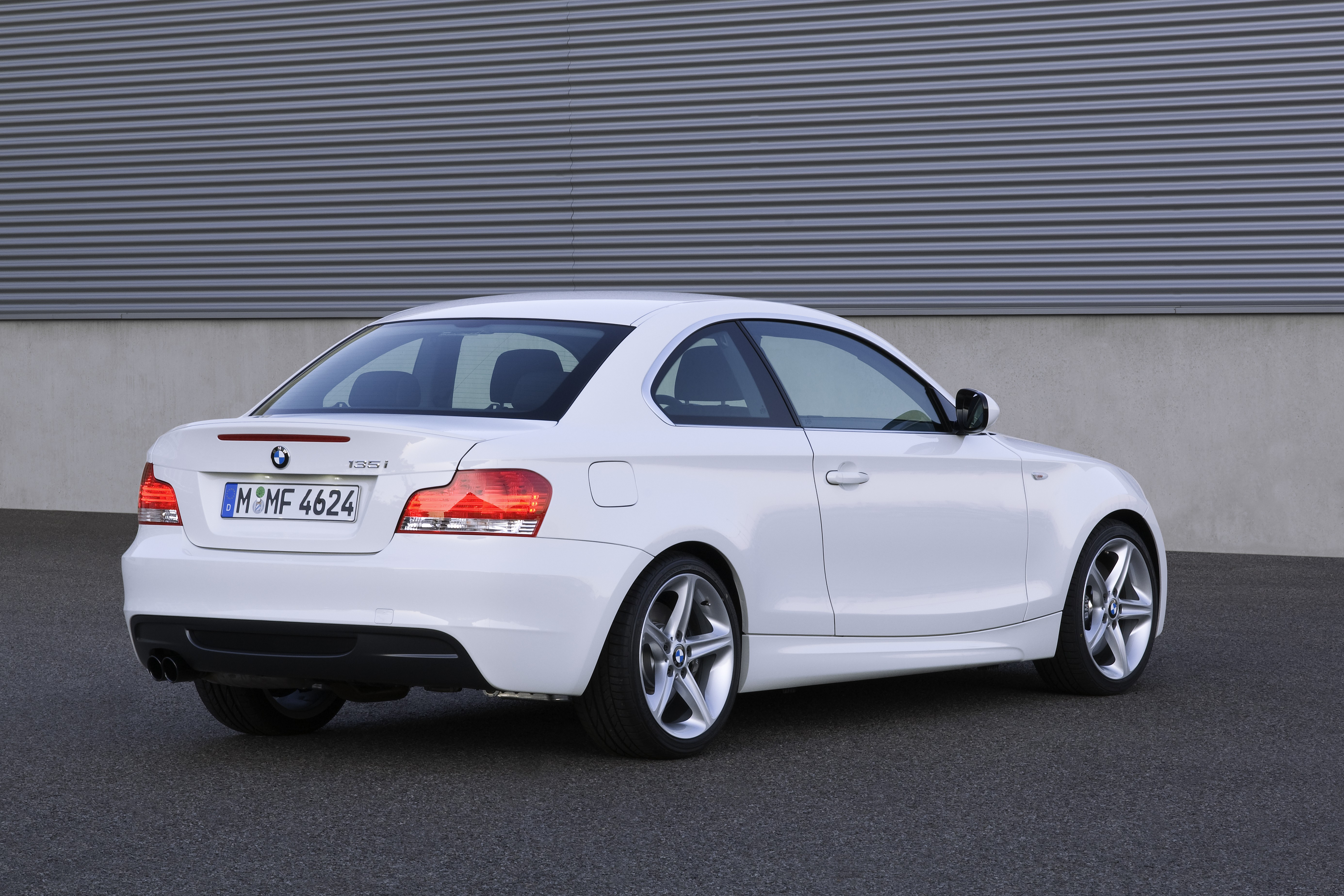 bmw 1er coupe (e82) 2010 pictures