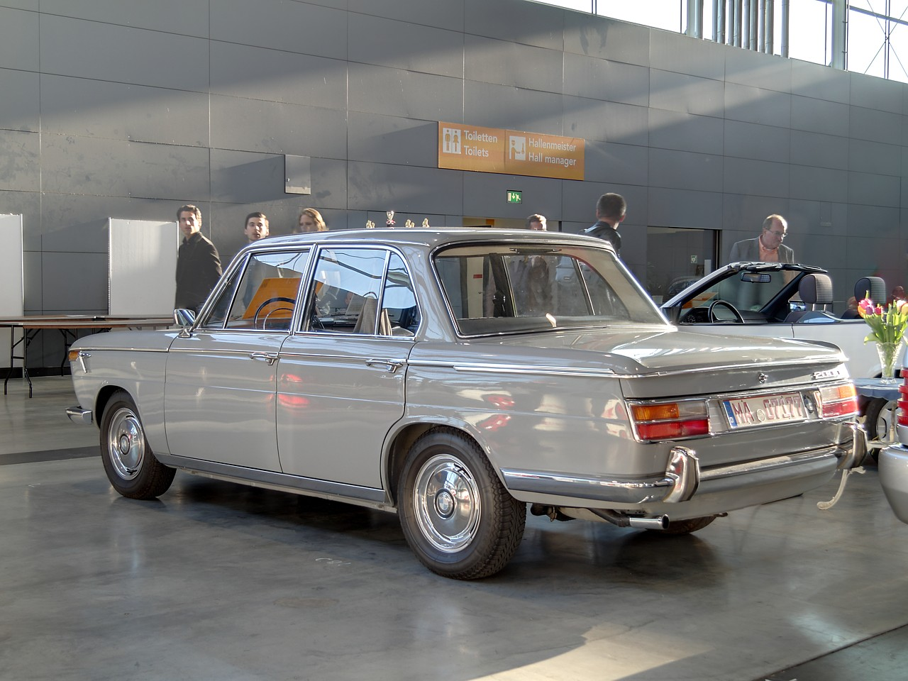 bmw 2000 seriess #10