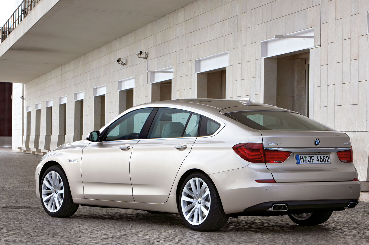 bmw 5 gran turismo wallpaper #2