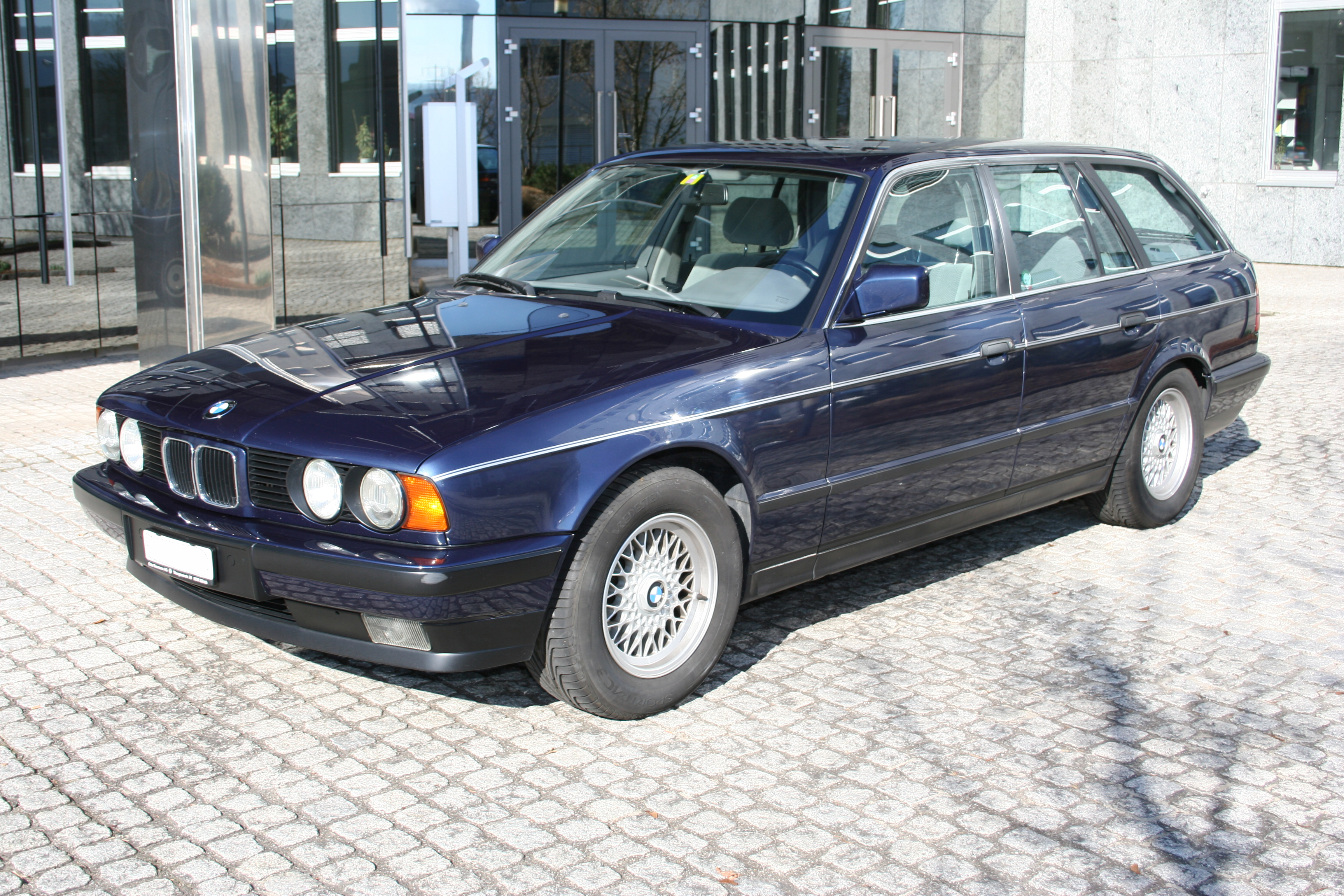 1990 bmw 5er touring e34 pictures information and specs auto. Black Bedroom Furniture Sets. Home Design Ideas