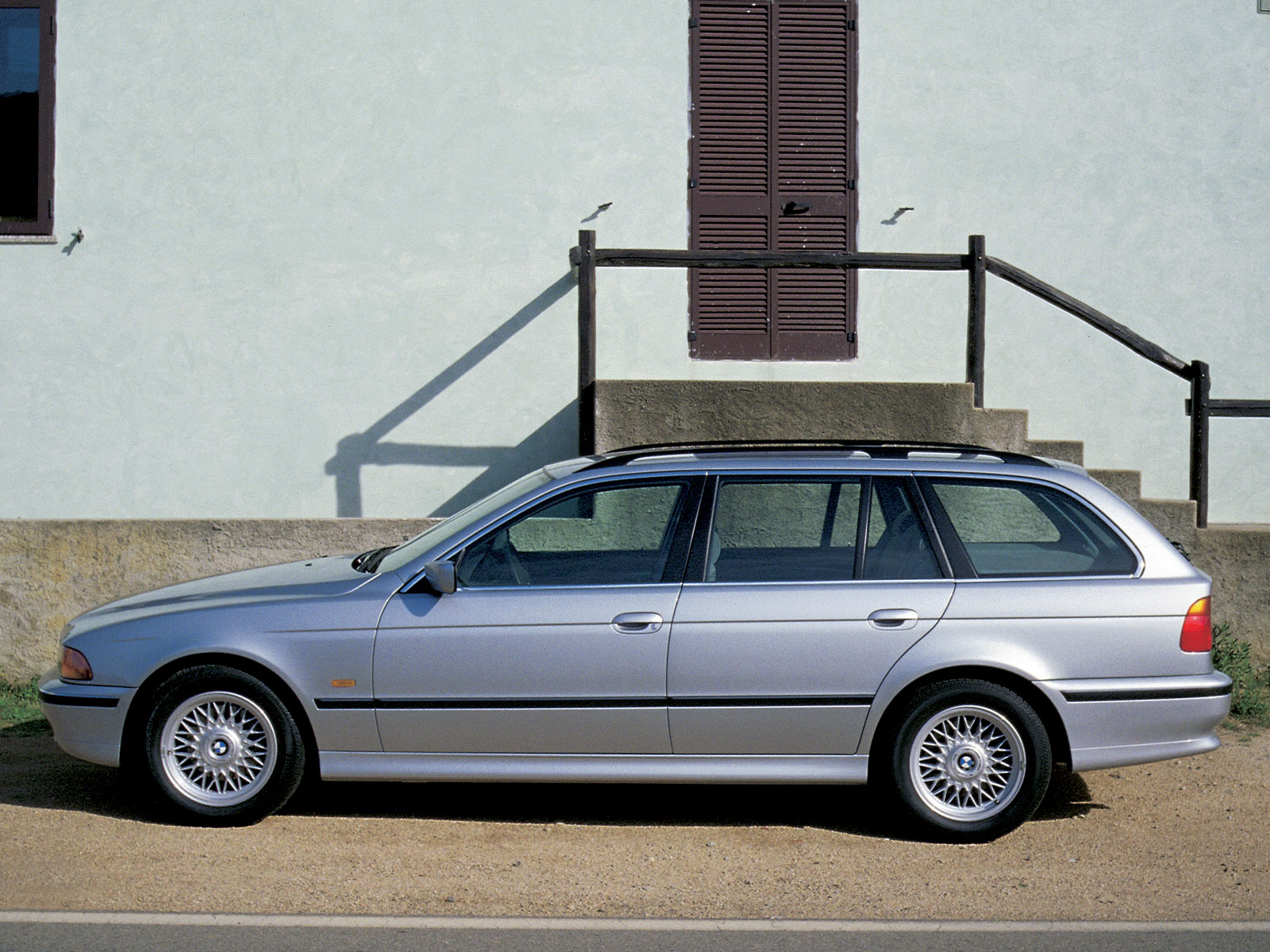 2002 bmw 5er touring e39 pictures information and specs auto. Black Bedroom Furniture Sets. Home Design Ideas