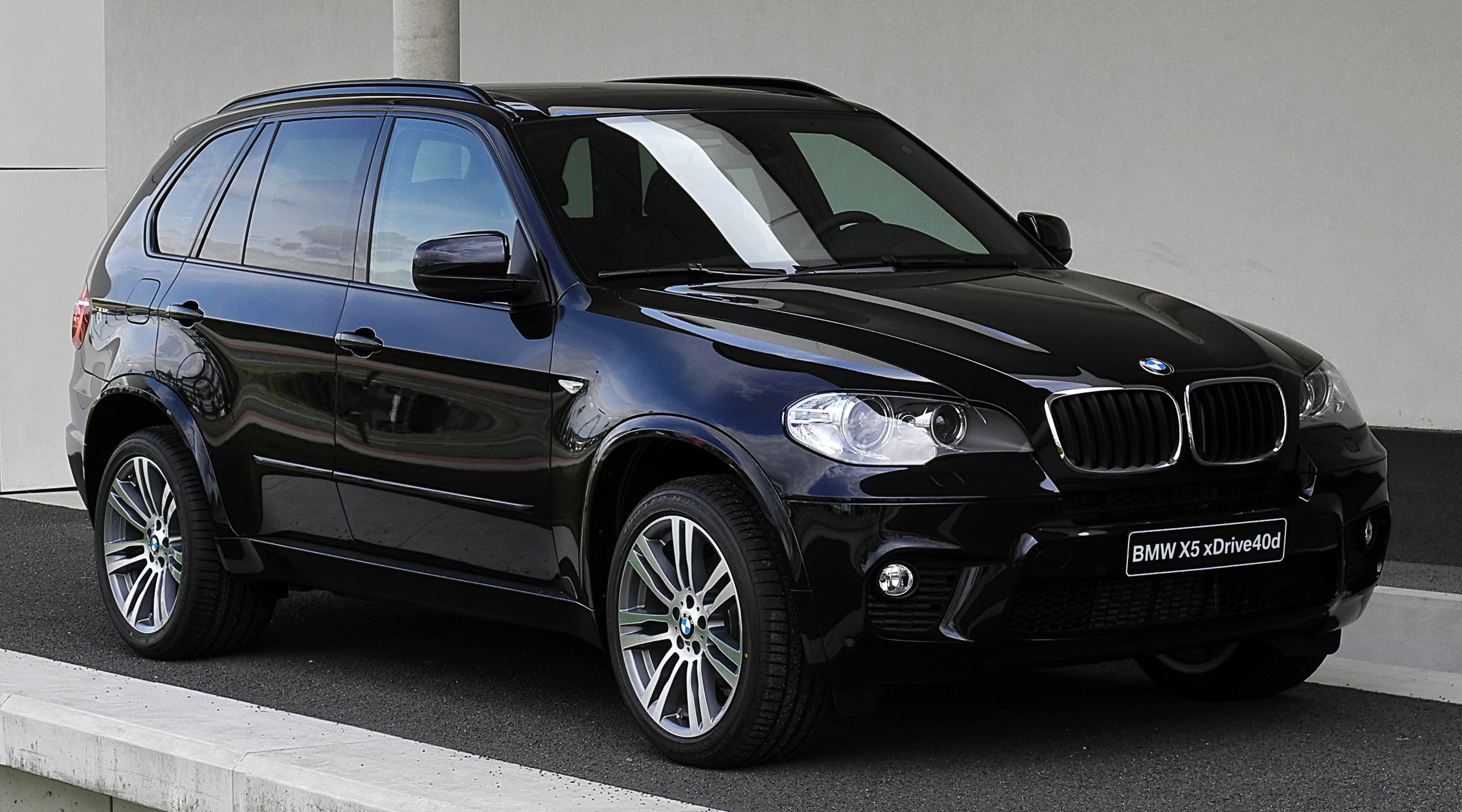 2011 bmw x5 e70 pictures information and specs auto. Black Bedroom Furniture Sets. Home Design Ideas