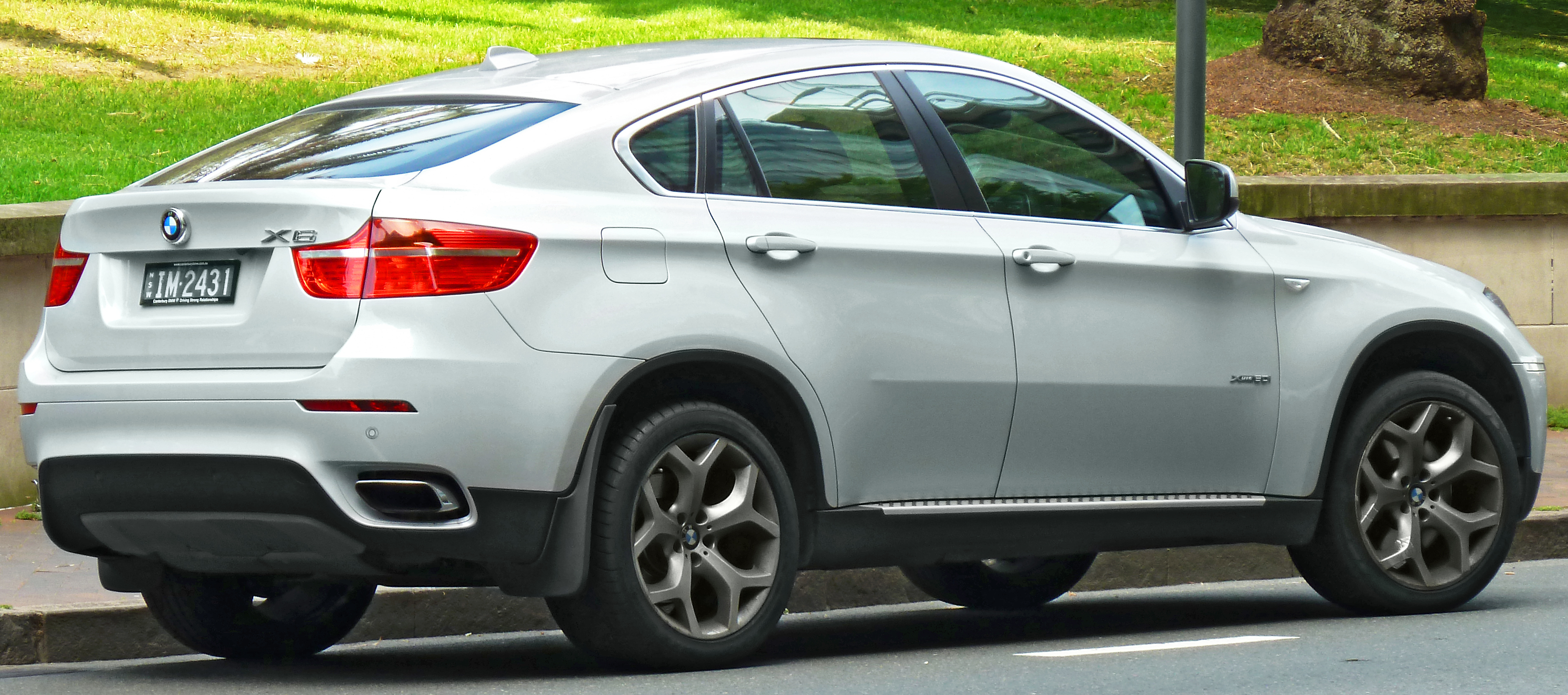 2011 bmw x6 pictures information and specs auto. Black Bedroom Furniture Sets. Home Design Ideas