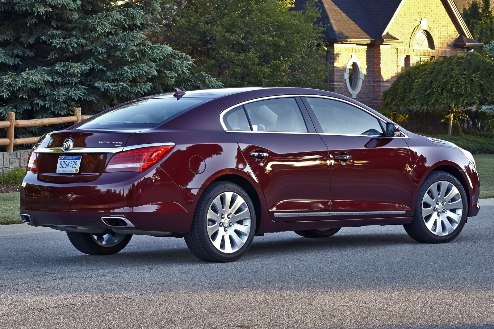 2015 buick lucerne pictures information and specs auto. Black Bedroom Furniture Sets. Home Design Ideas
