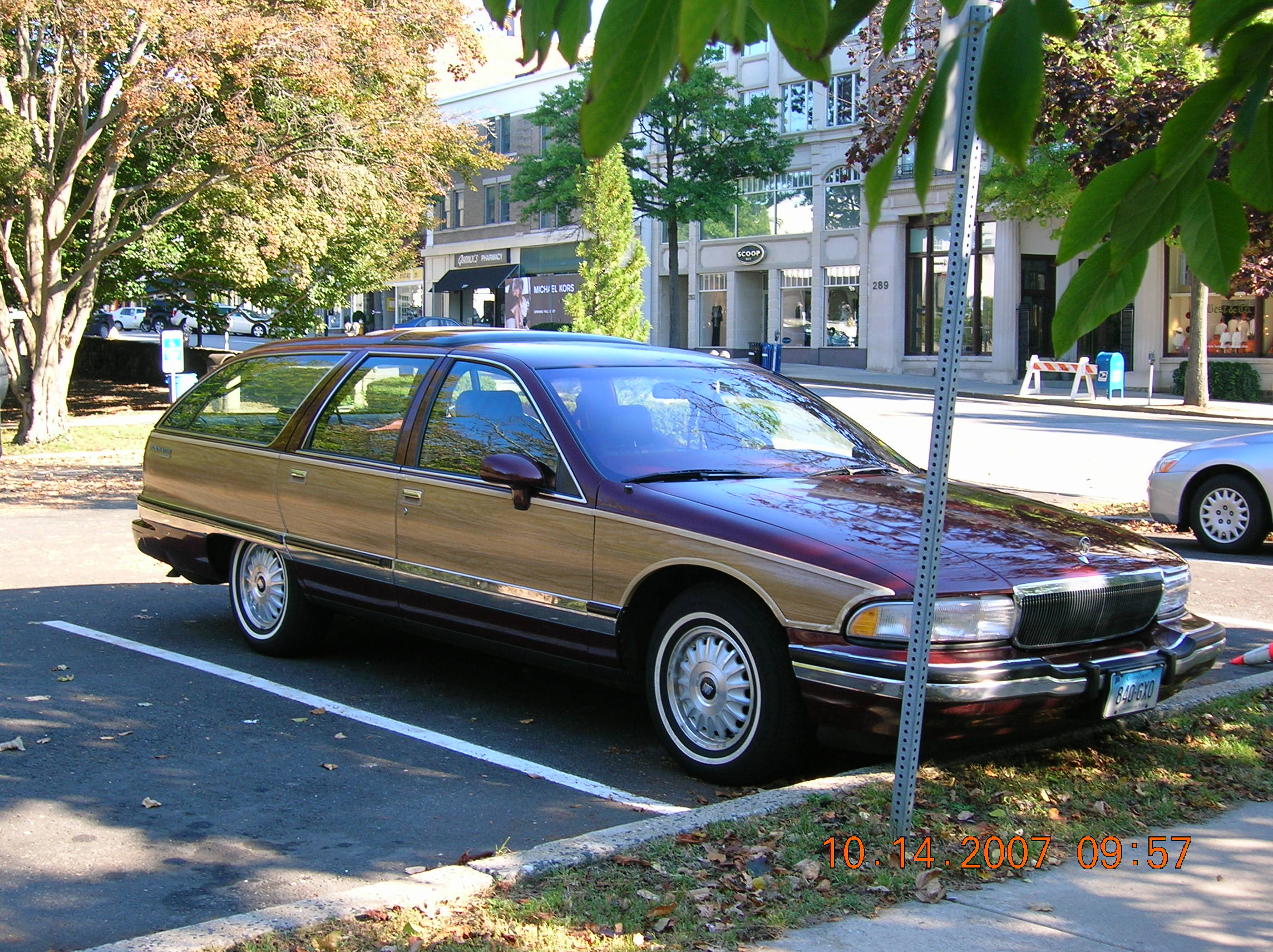 buick roadmaster 1992 images