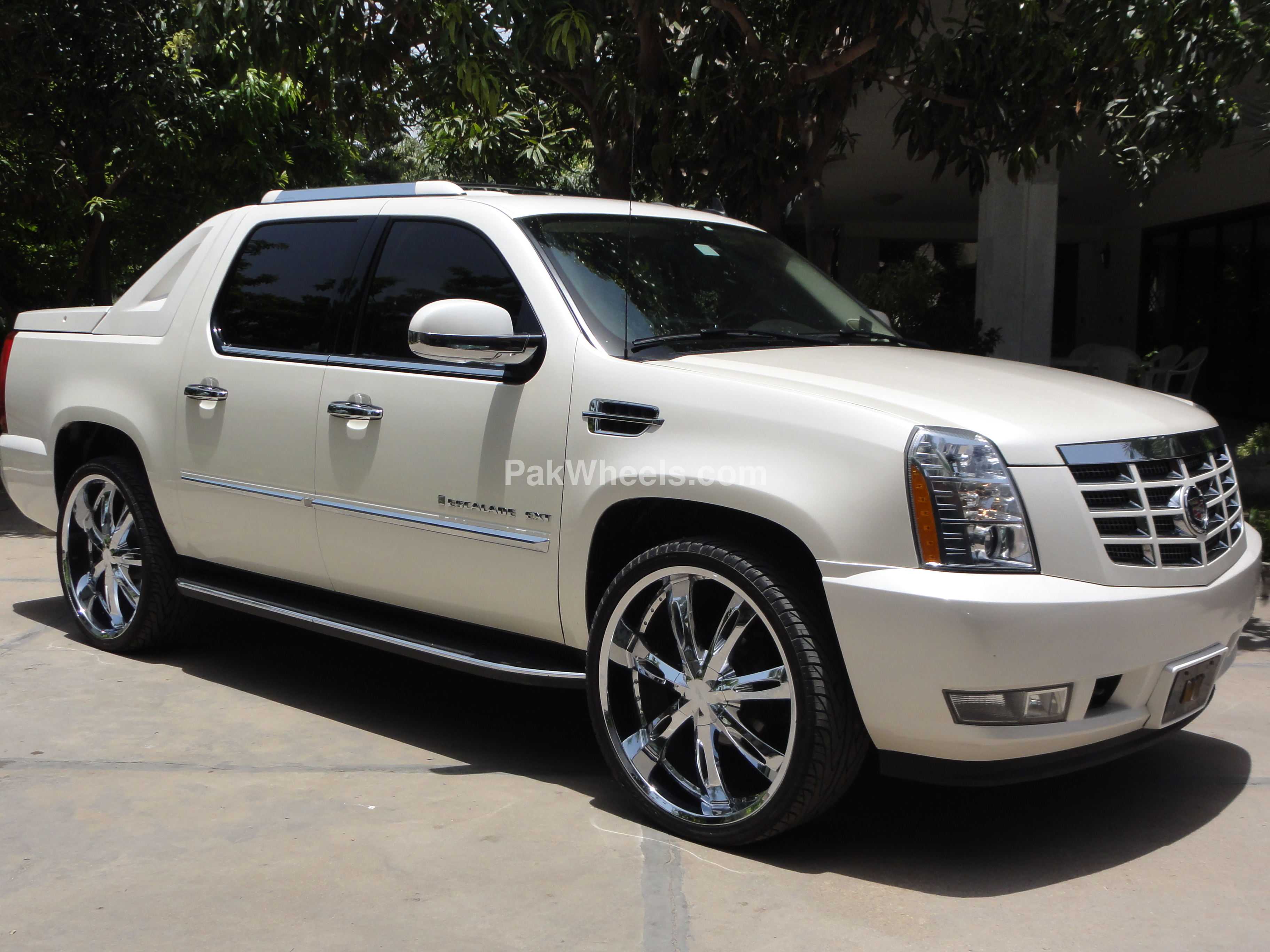 2011 cadillac escalade ext pictures information and specs auto. Black Bedroom Furniture Sets. Home Design Ideas