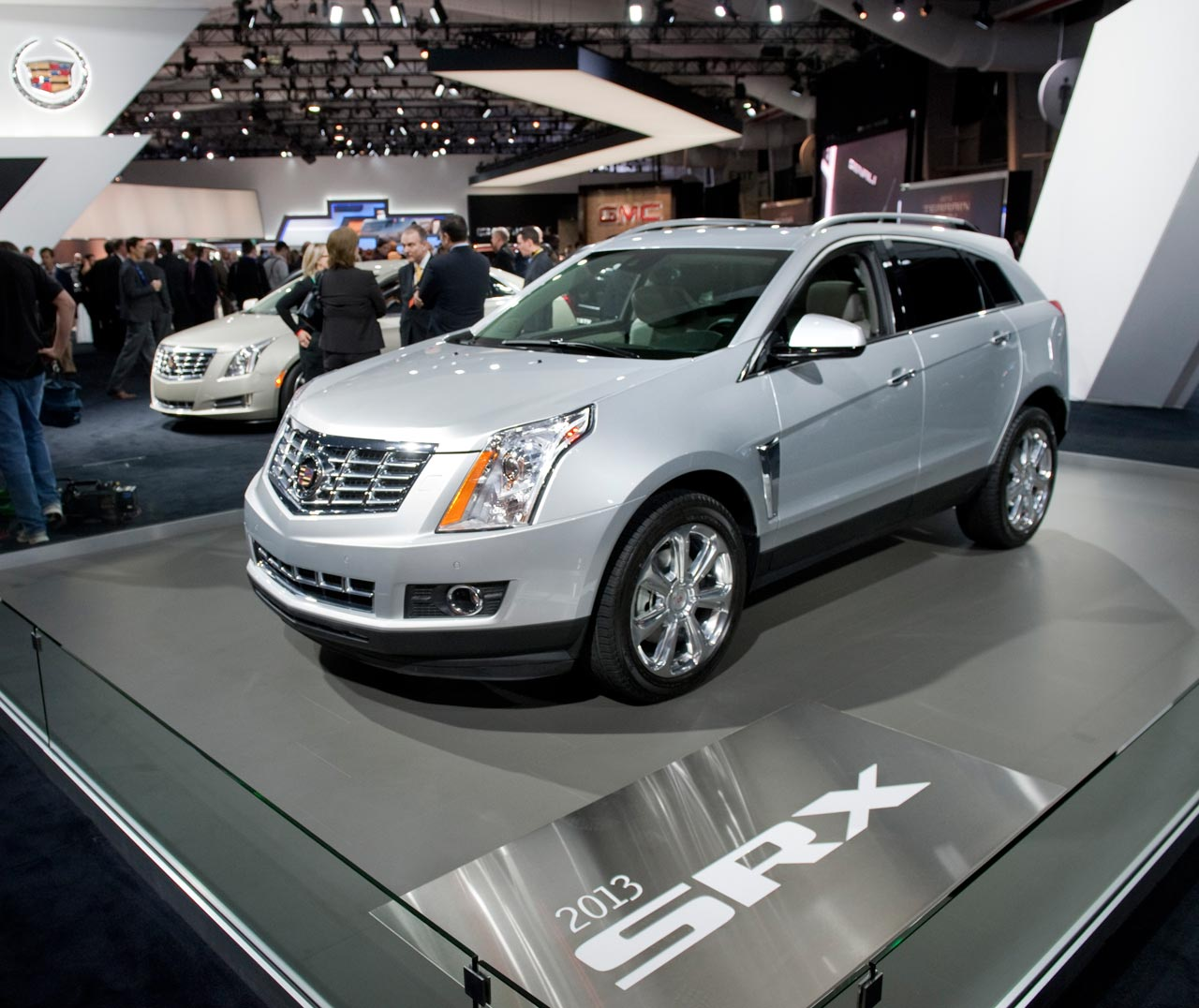 Cadillac 2013 Srx: Pictures, Information And Specs