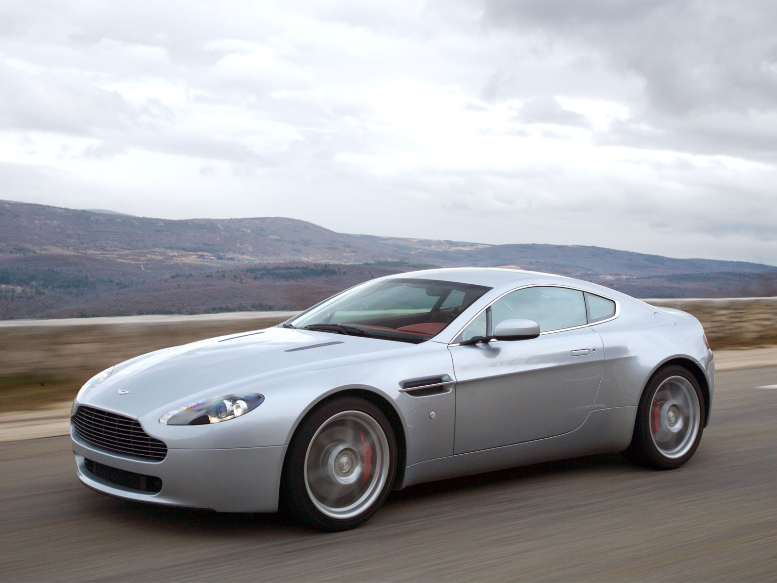 2007 aston martin db7 vantage – pictures, information and specs