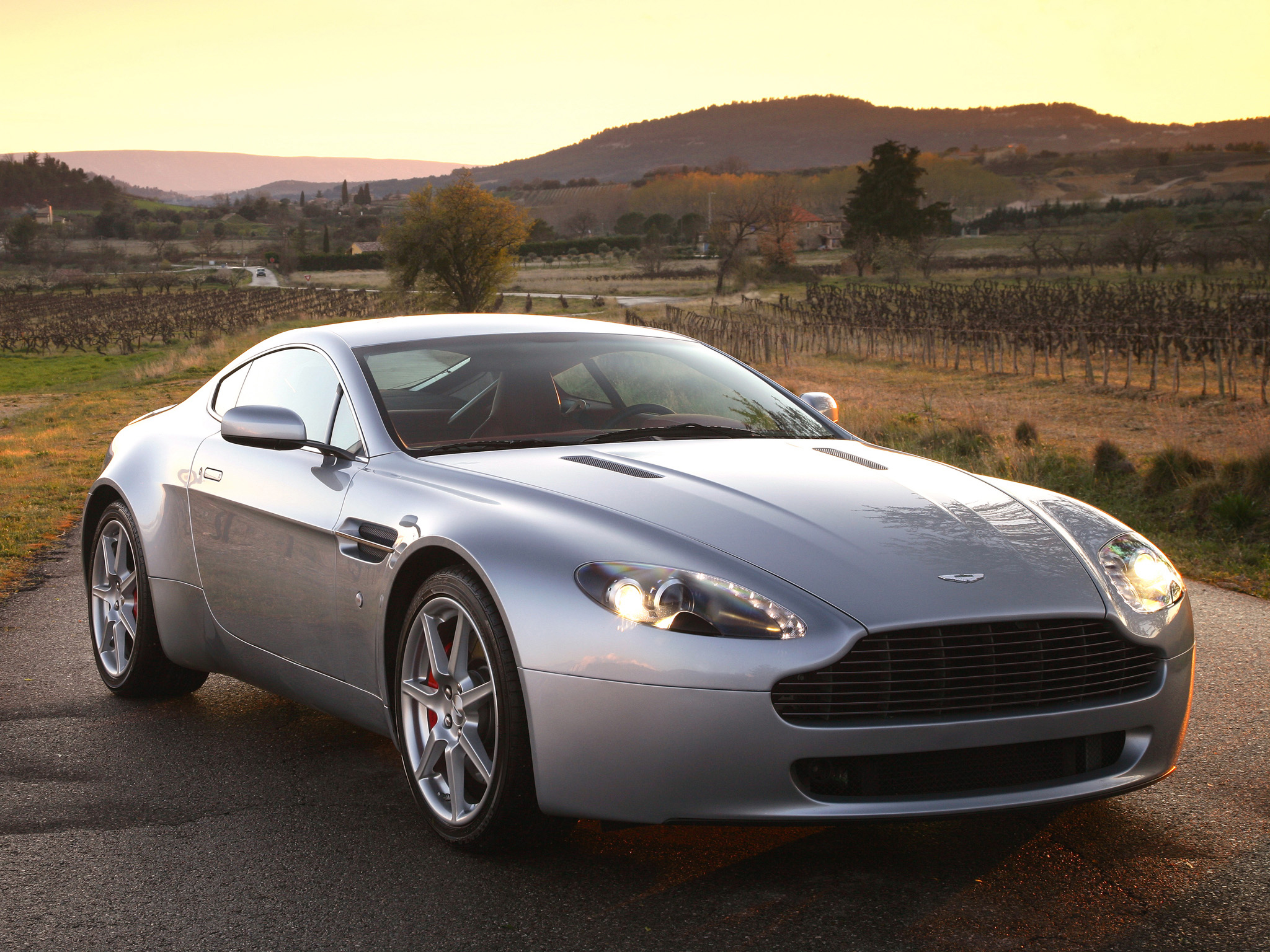 2008 aston martin v8 vantage 2005 pictures information and specs auto. Black Bedroom Furniture Sets. Home Design Ideas