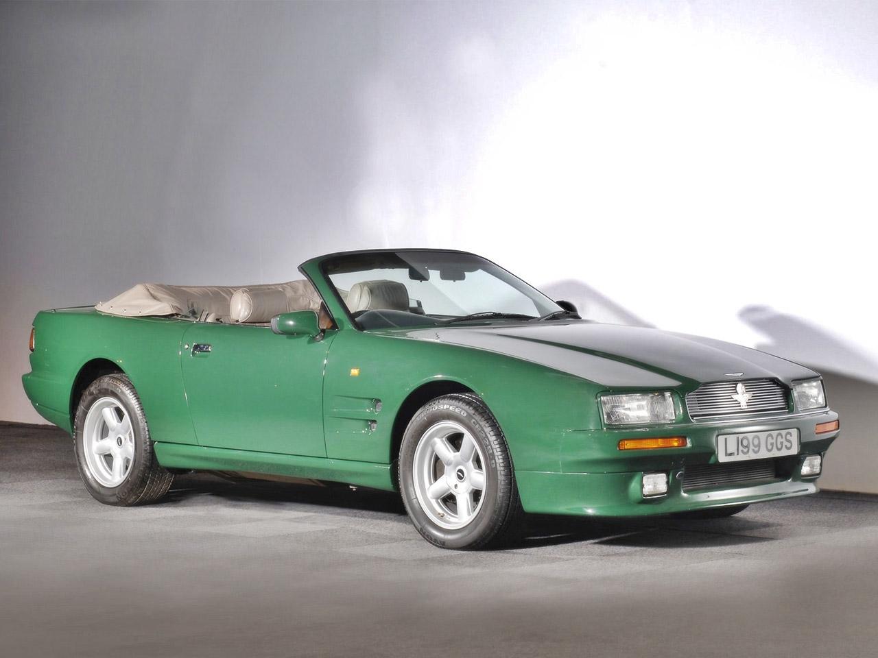Cars aston martin virage volante 1992