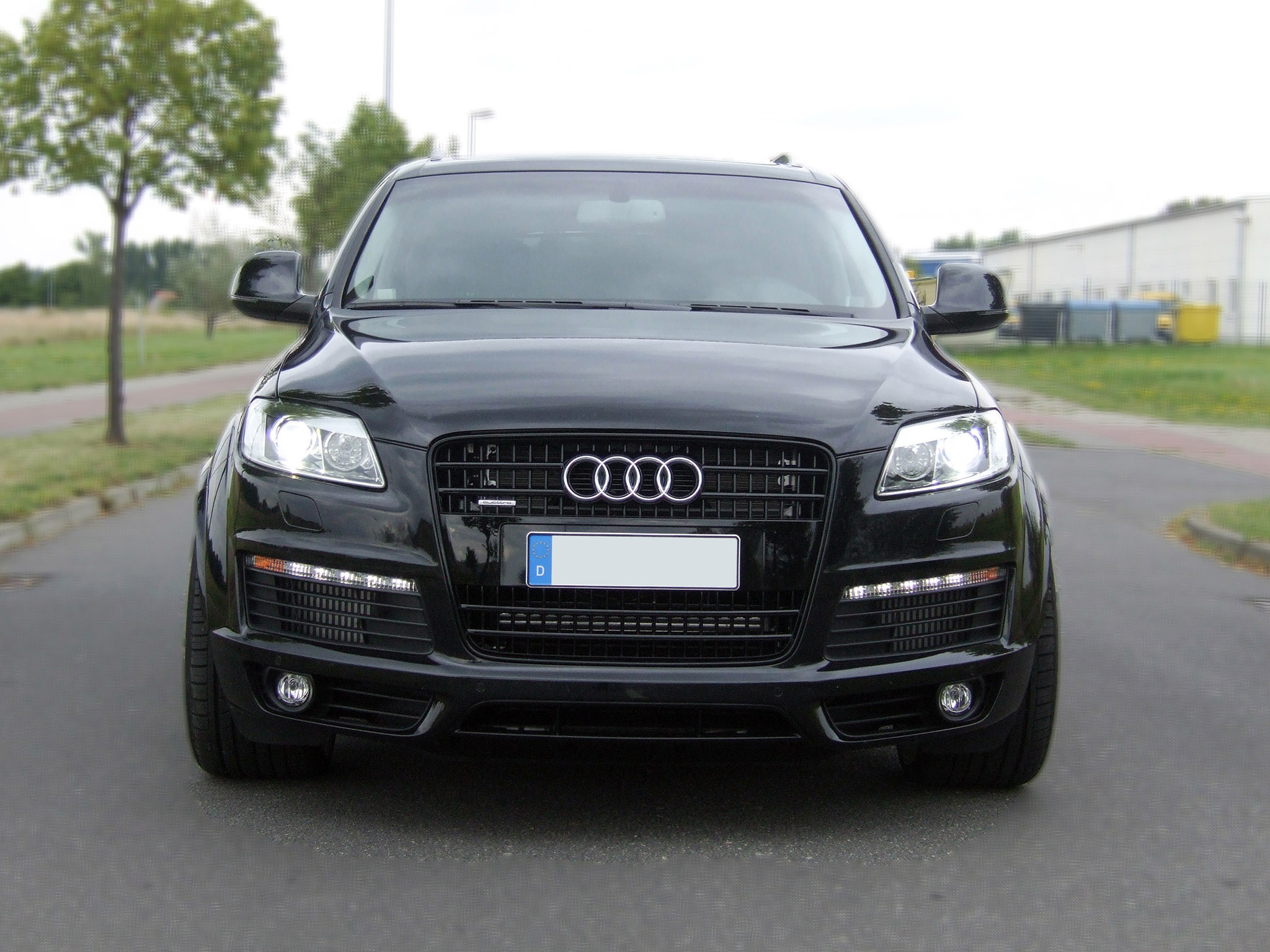 2009 audi q7 pictures information and specs auto. Black Bedroom Furniture Sets. Home Design Ideas