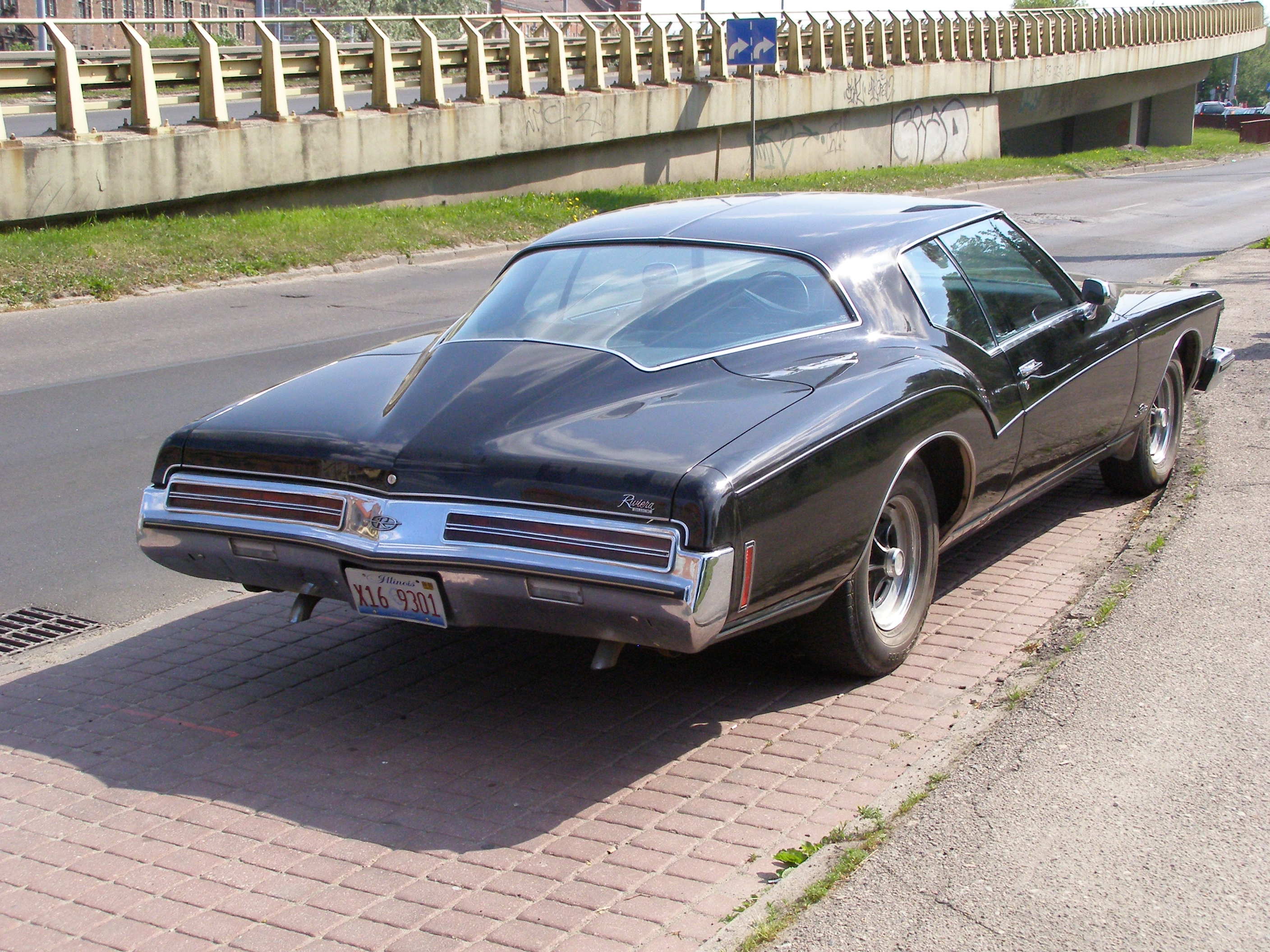 Cars buick riviera #5