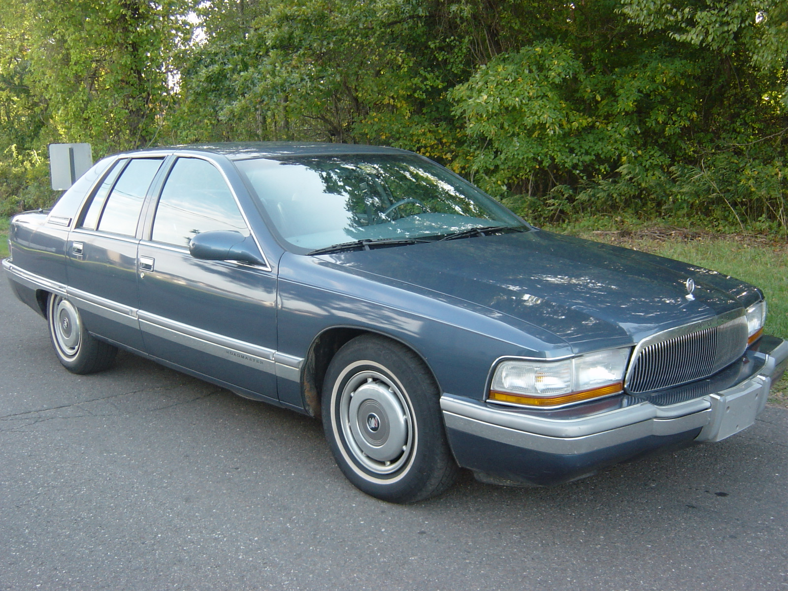 Cars buick roadmaster 1995