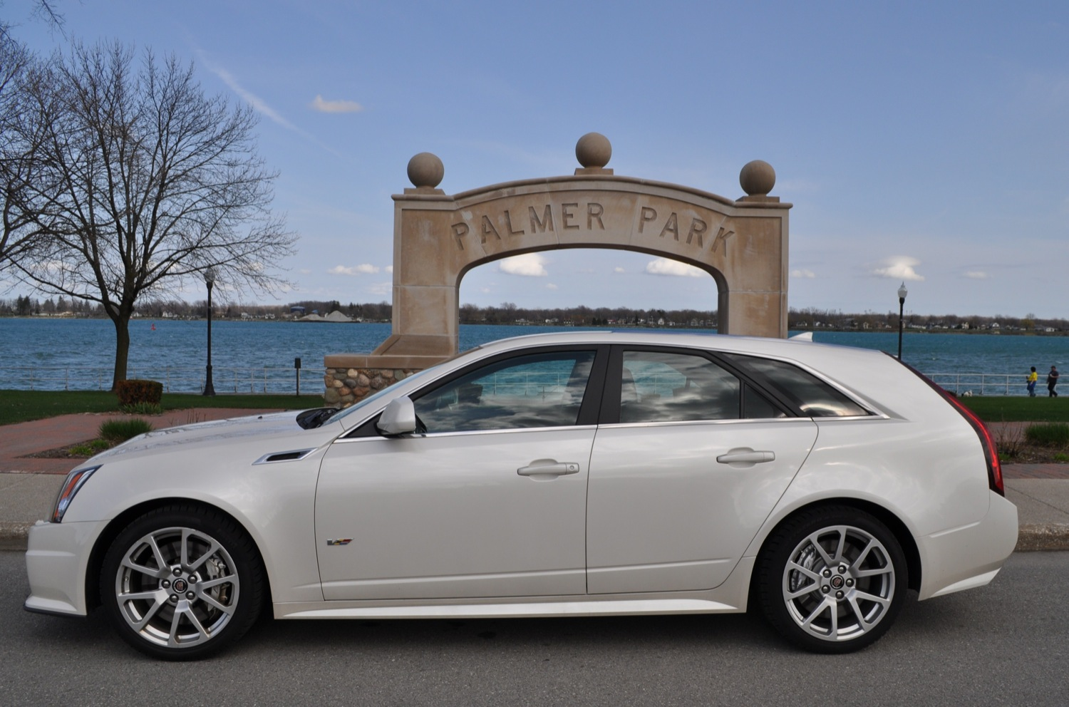 2015 Cadillac Cts sport wagon – pictures, information and specs ...