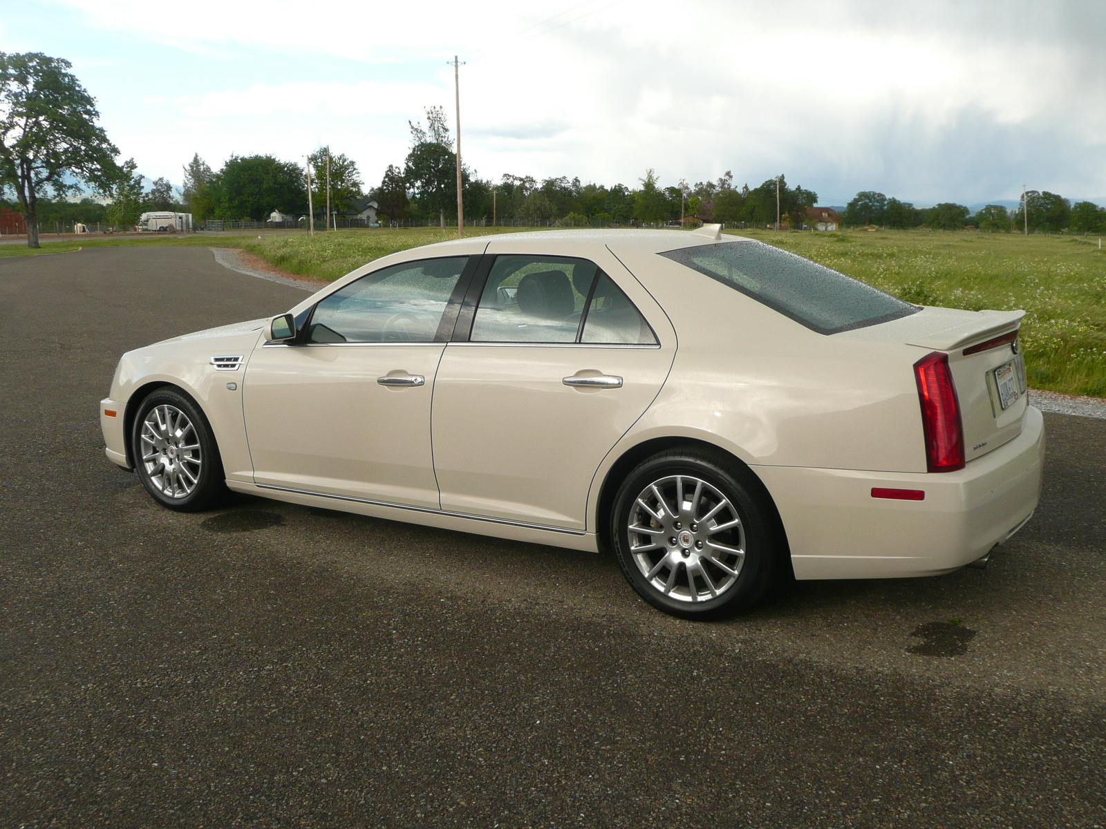 Image Gallery 2011 Cadillac Sts