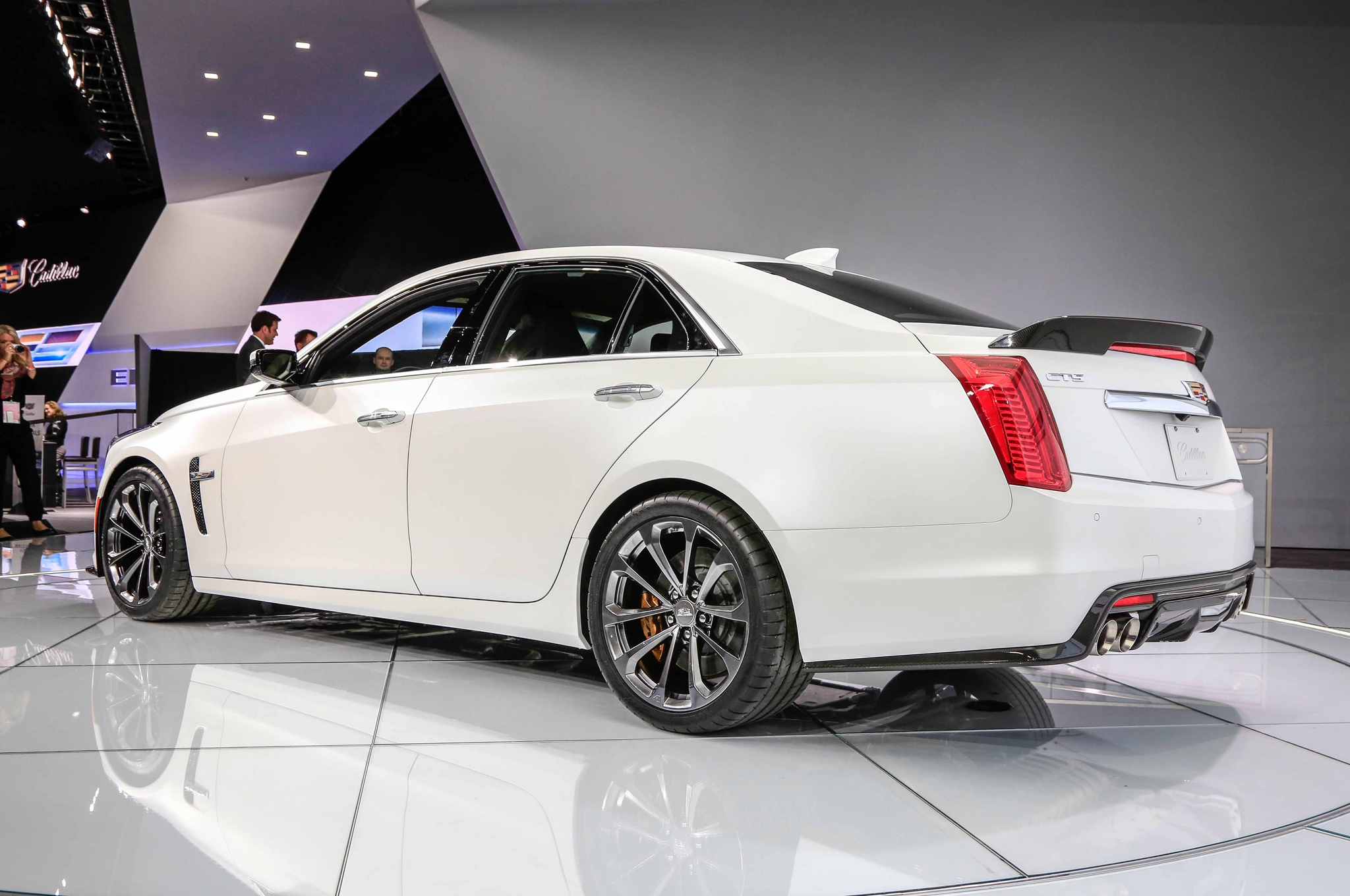 2016 Cadillac Sts – pictures, information and specs - Auto ...