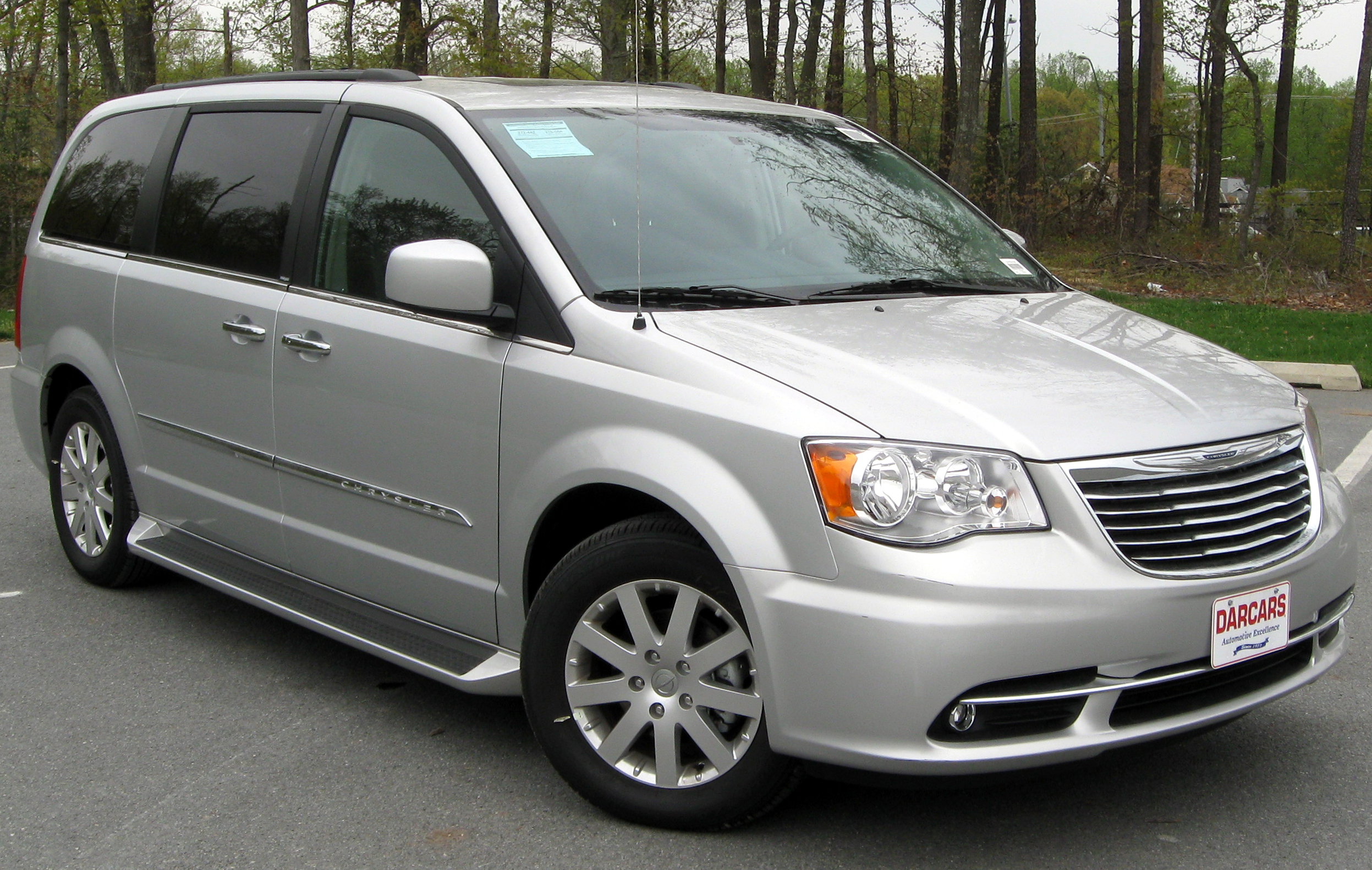 Cars chrysler town & country #1
