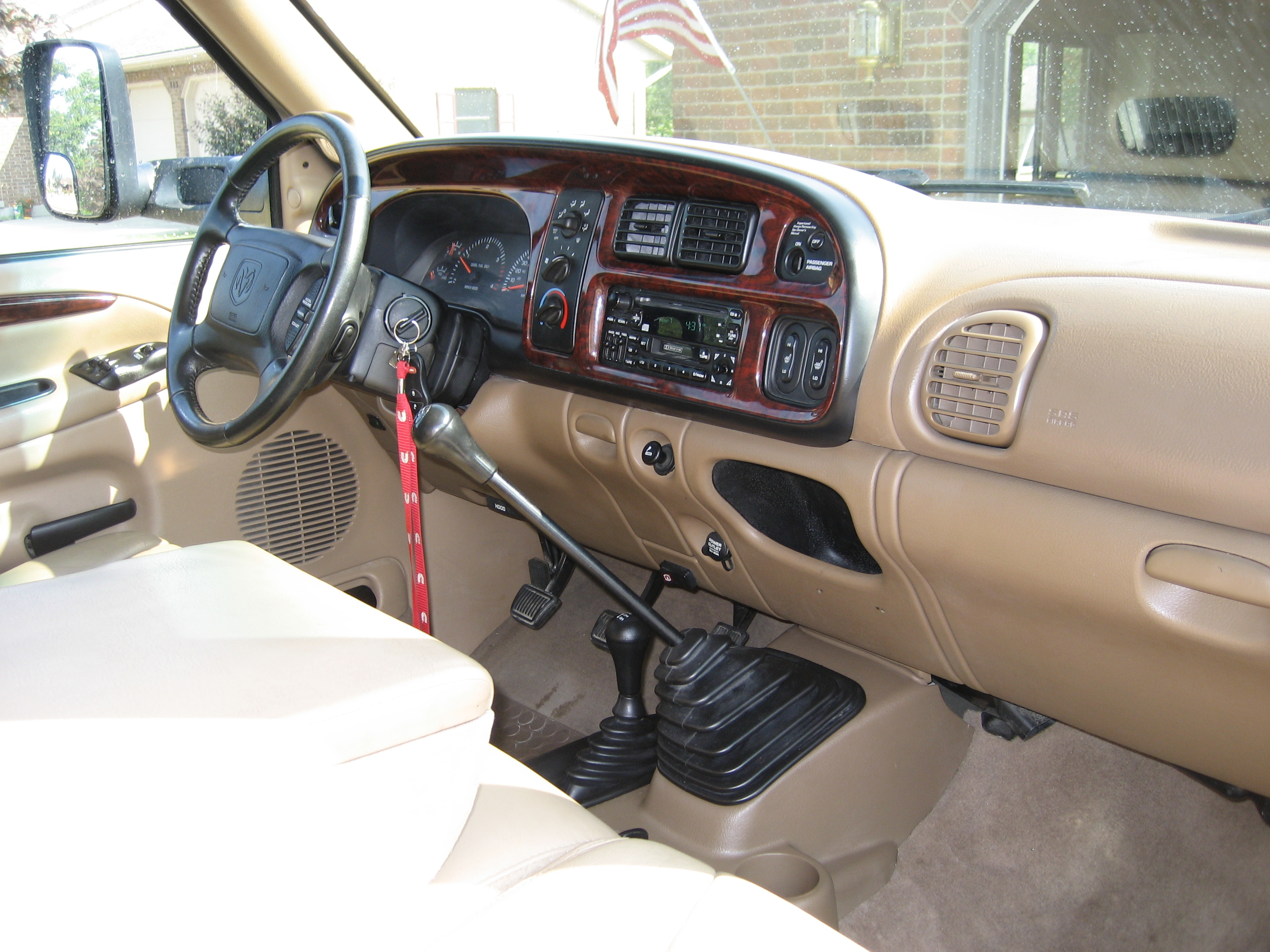 Cars dodge ram (br/be) 2000 #1