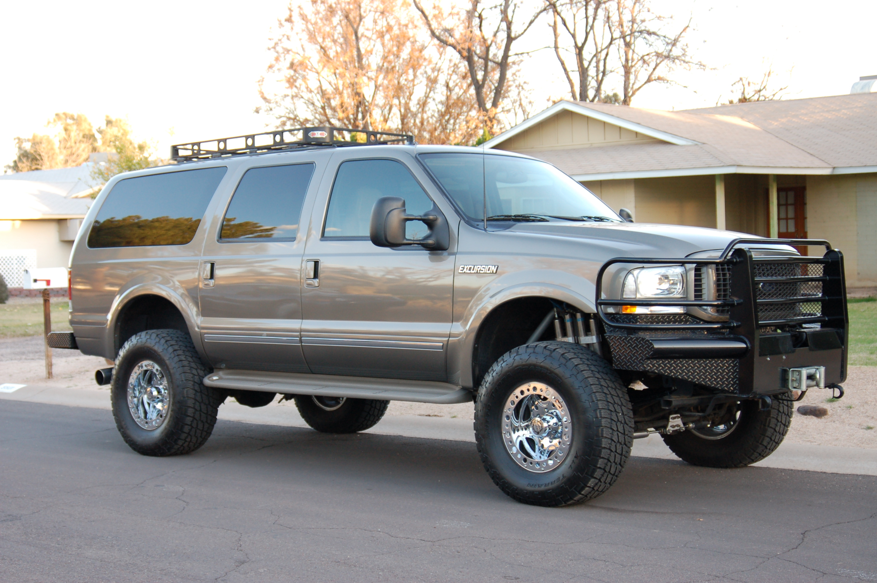 Cars ford excursion