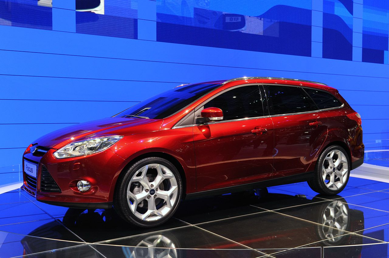 Cars ford focus hatchback iii 2012