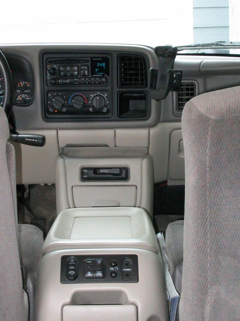 Cars gmc yukon (gmt800) 2002