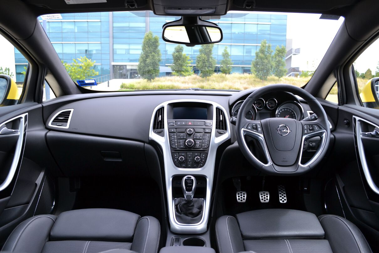 Cars holden astra 2013 #3