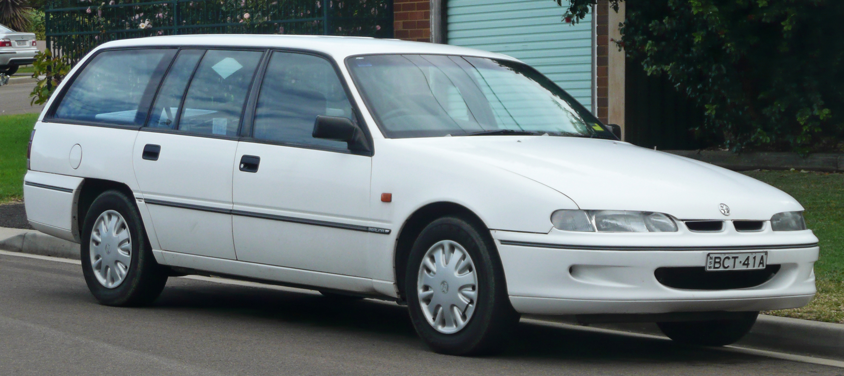 Cars holden commodore 1996 #4