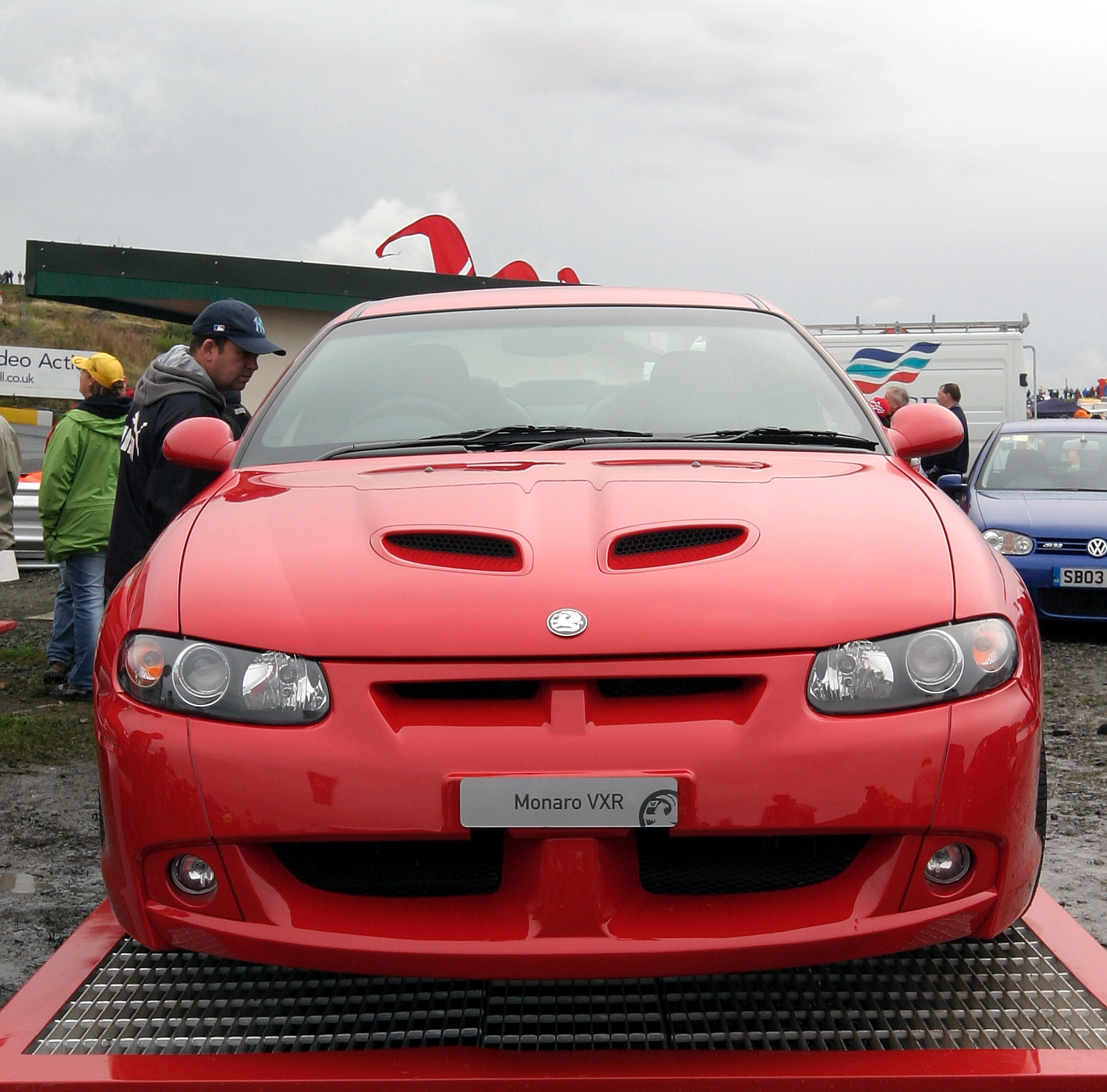 Cars holden monaro 2009