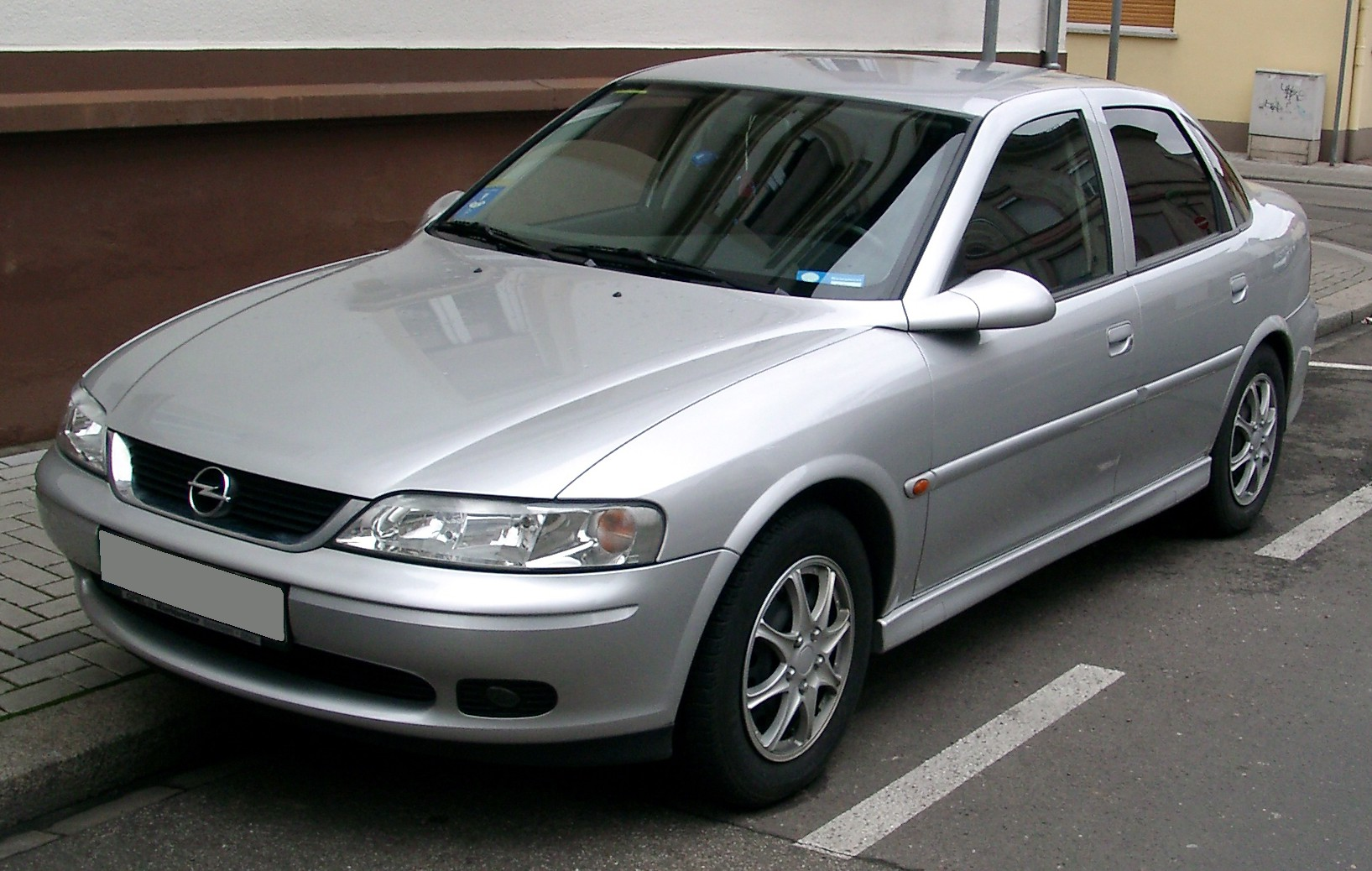 Cars holden vectra (b) 2004 #1