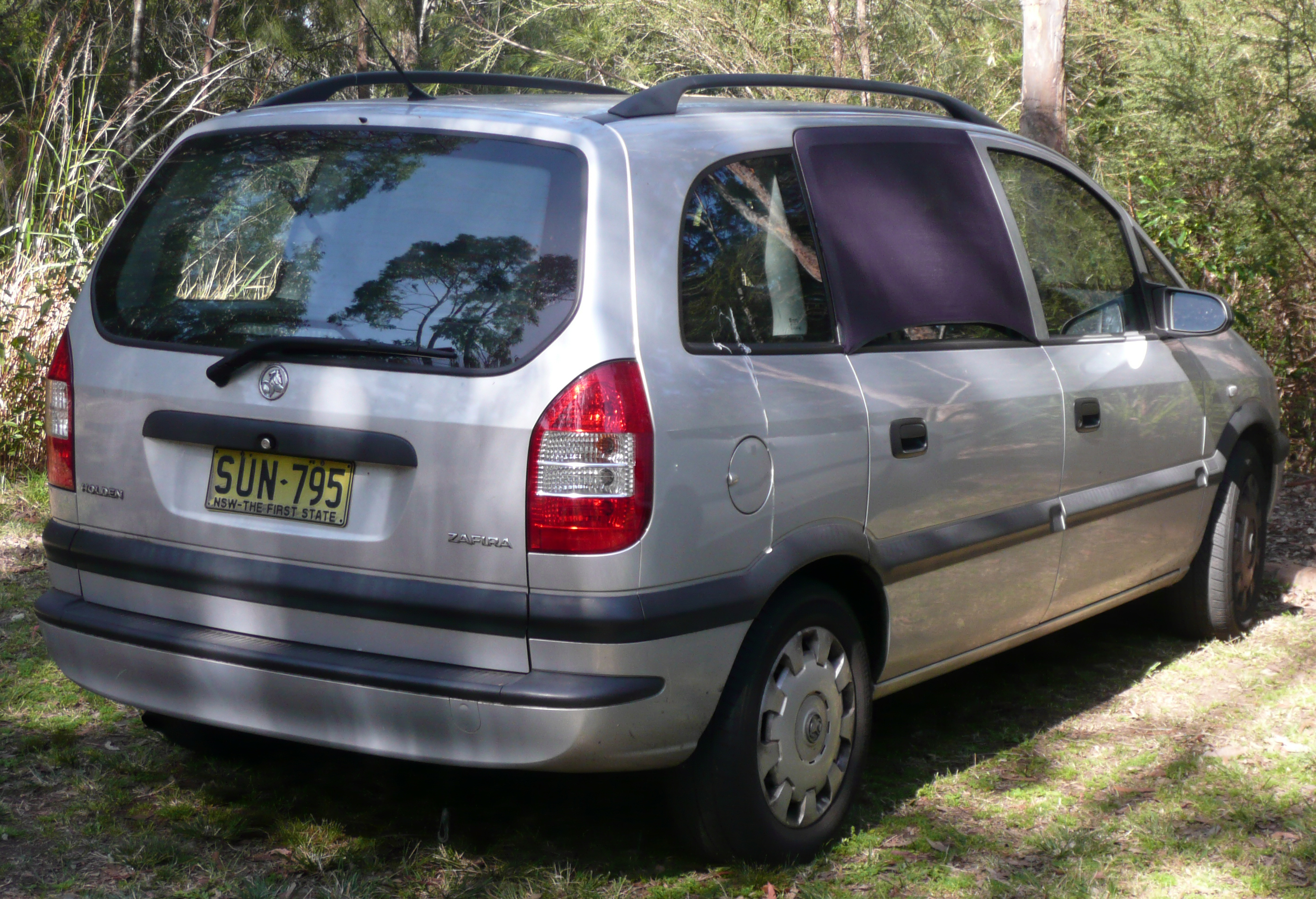 Cars holden zafira 2004