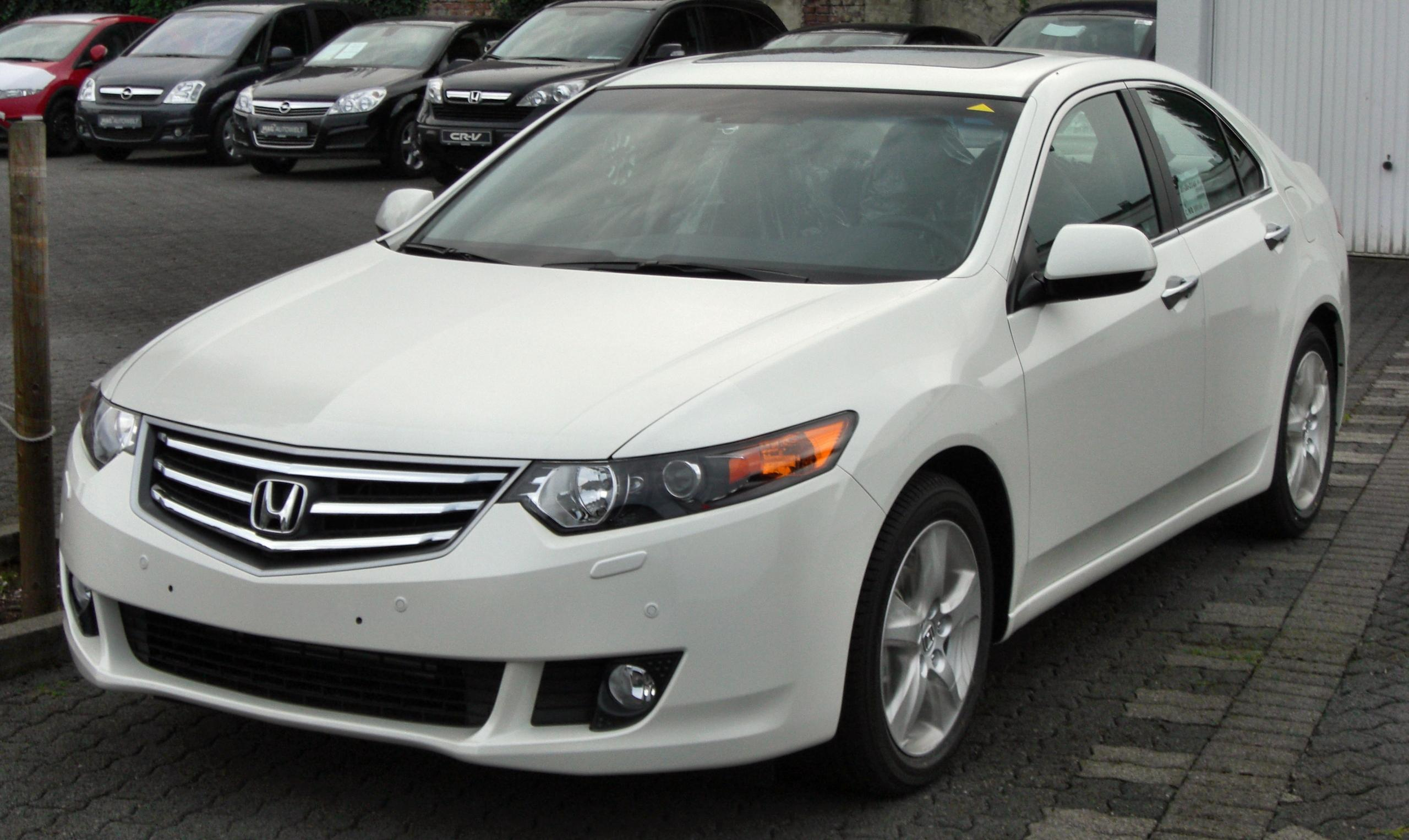 Cars honda accord viii coupe 2011