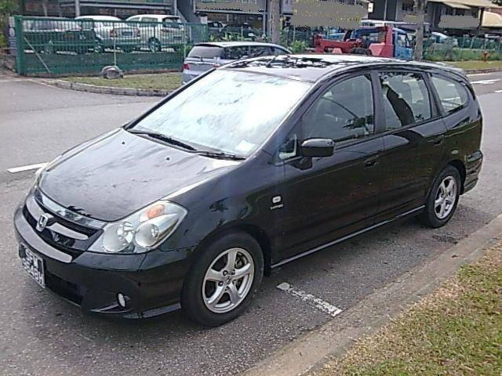 Cars honda stream 2004
