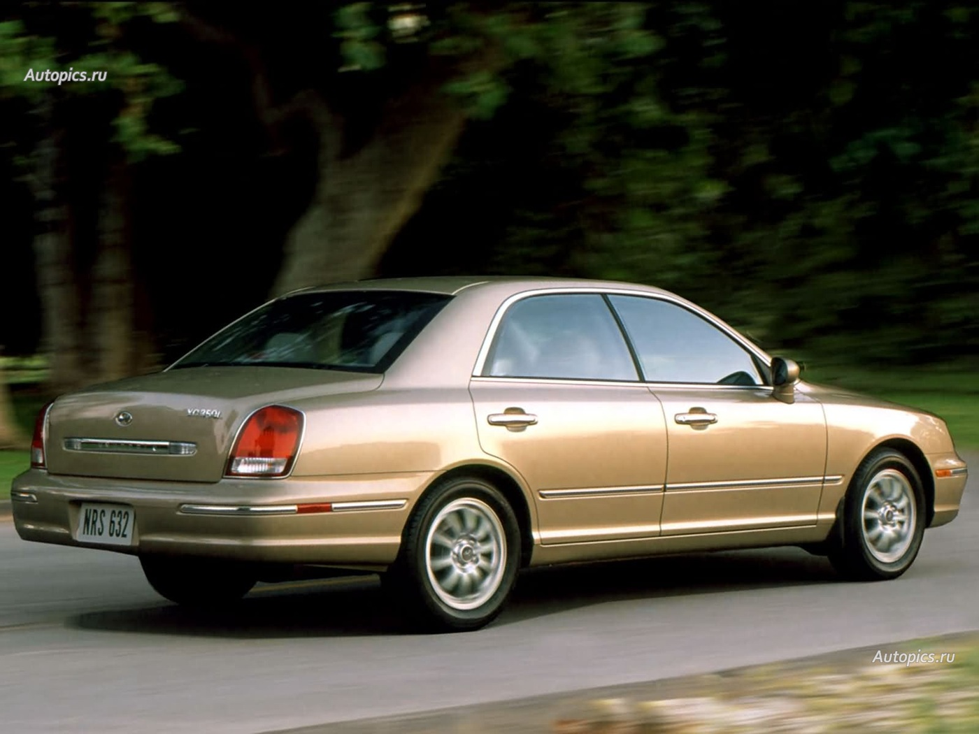 2002 hyundai xg pictures information and specs auto for Who makes hyundai motors