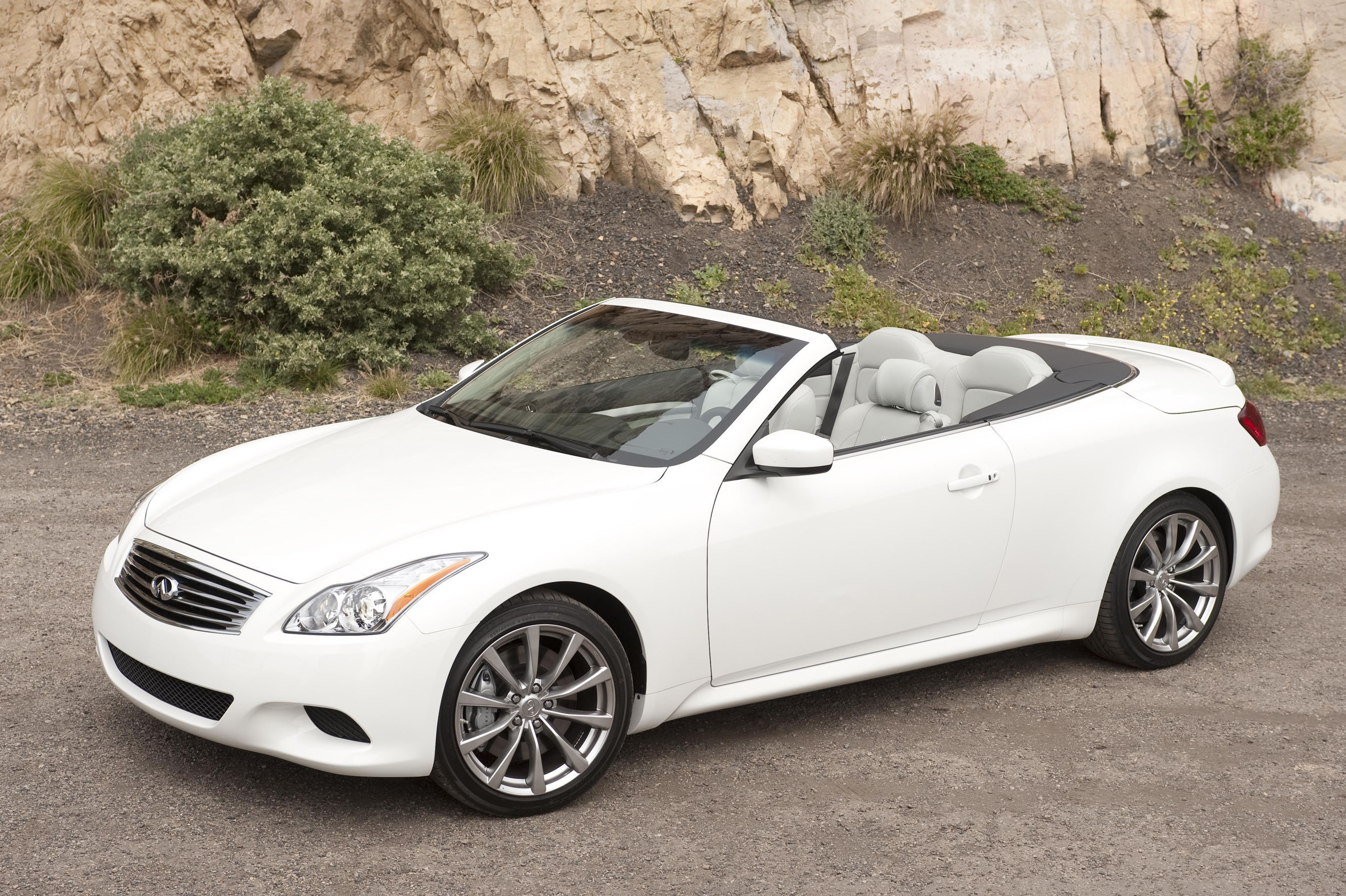 2015 infiniti g37 convertible pictures information and specs auto. Black Bedroom Furniture Sets. Home Design Ideas