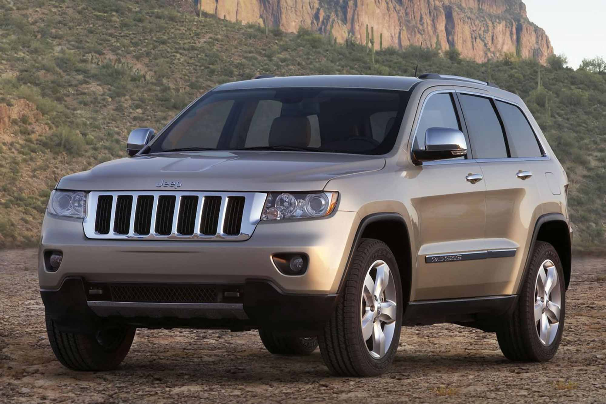 2011 Jeep Grand cherokee wl – pictures information and specs