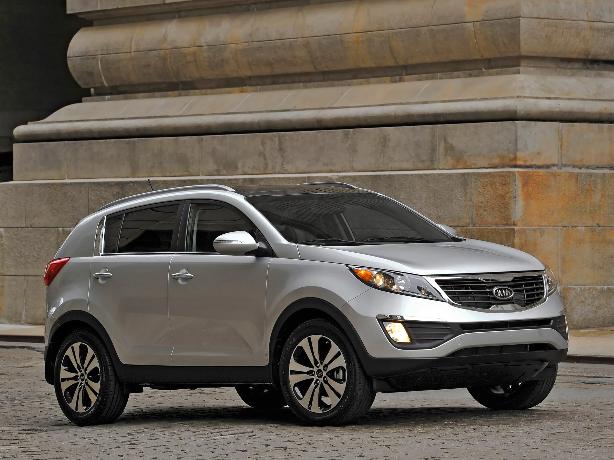 2013 kia sportage iii pictures information and specs. Black Bedroom Furniture Sets. Home Design Ideas